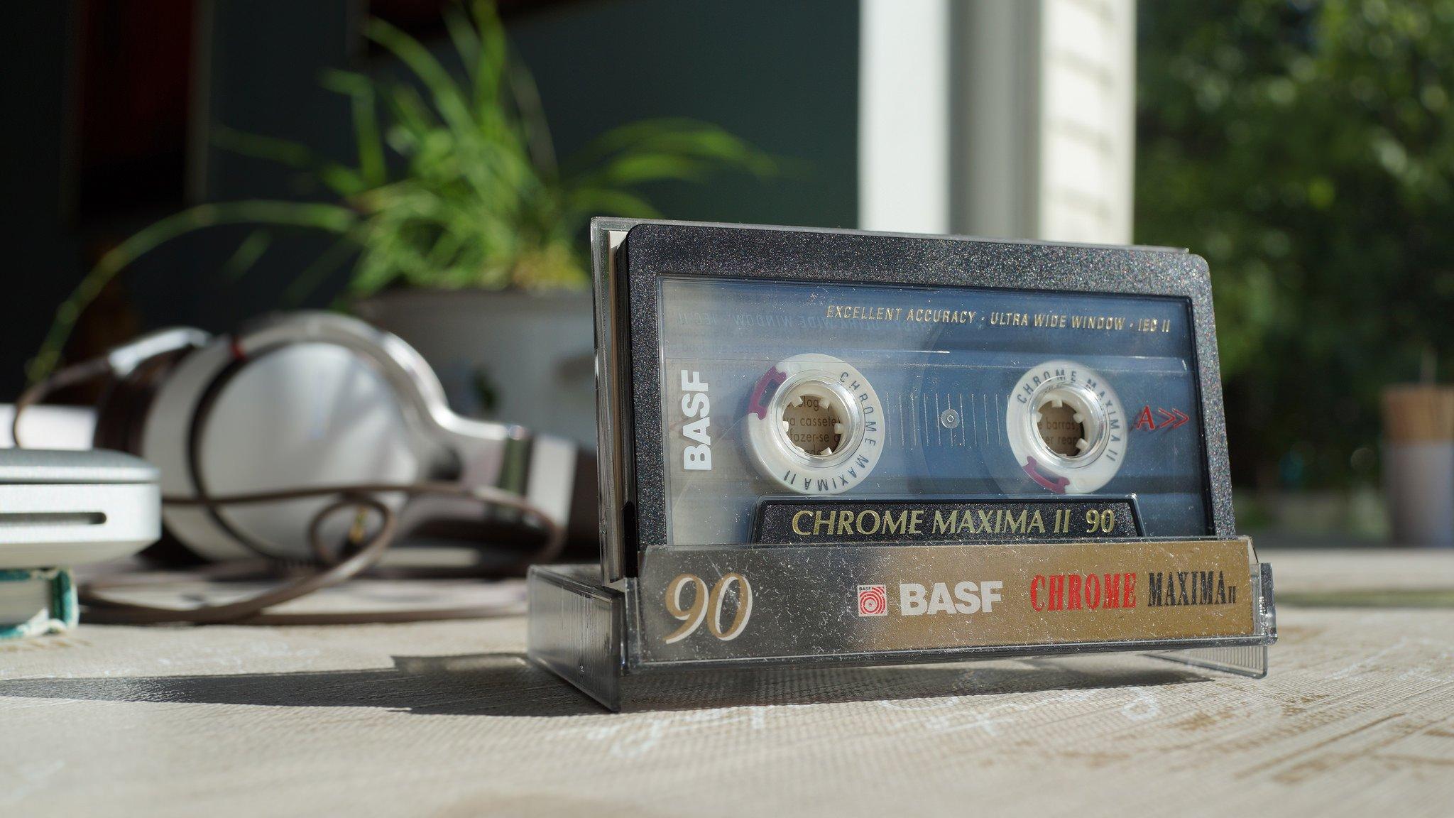 кассета с пленкой в виде сердца анонимно