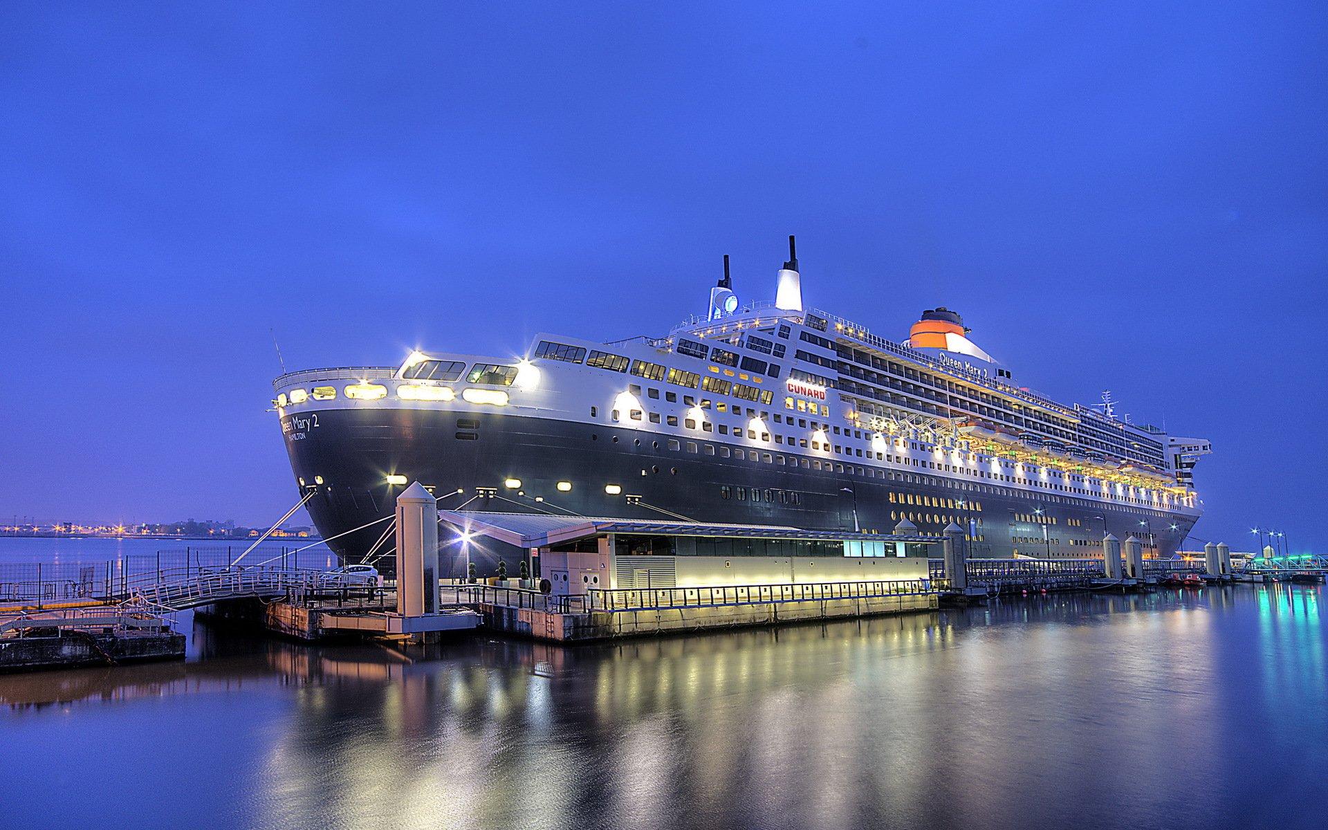 Корабль Queen Mary 2  № 3495284 бесплатно