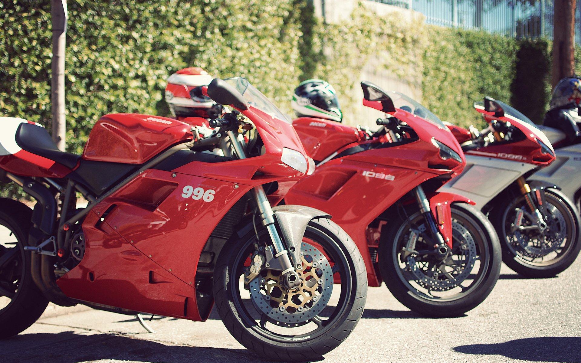 дукати красный мотоцикл бесплатно