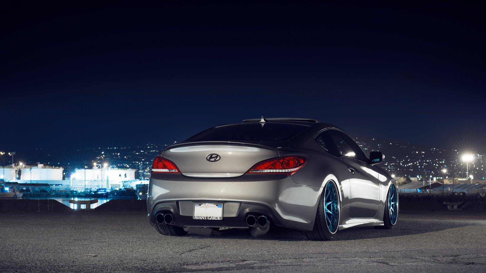зеленый автомобиль Hyundai Genesis скачать