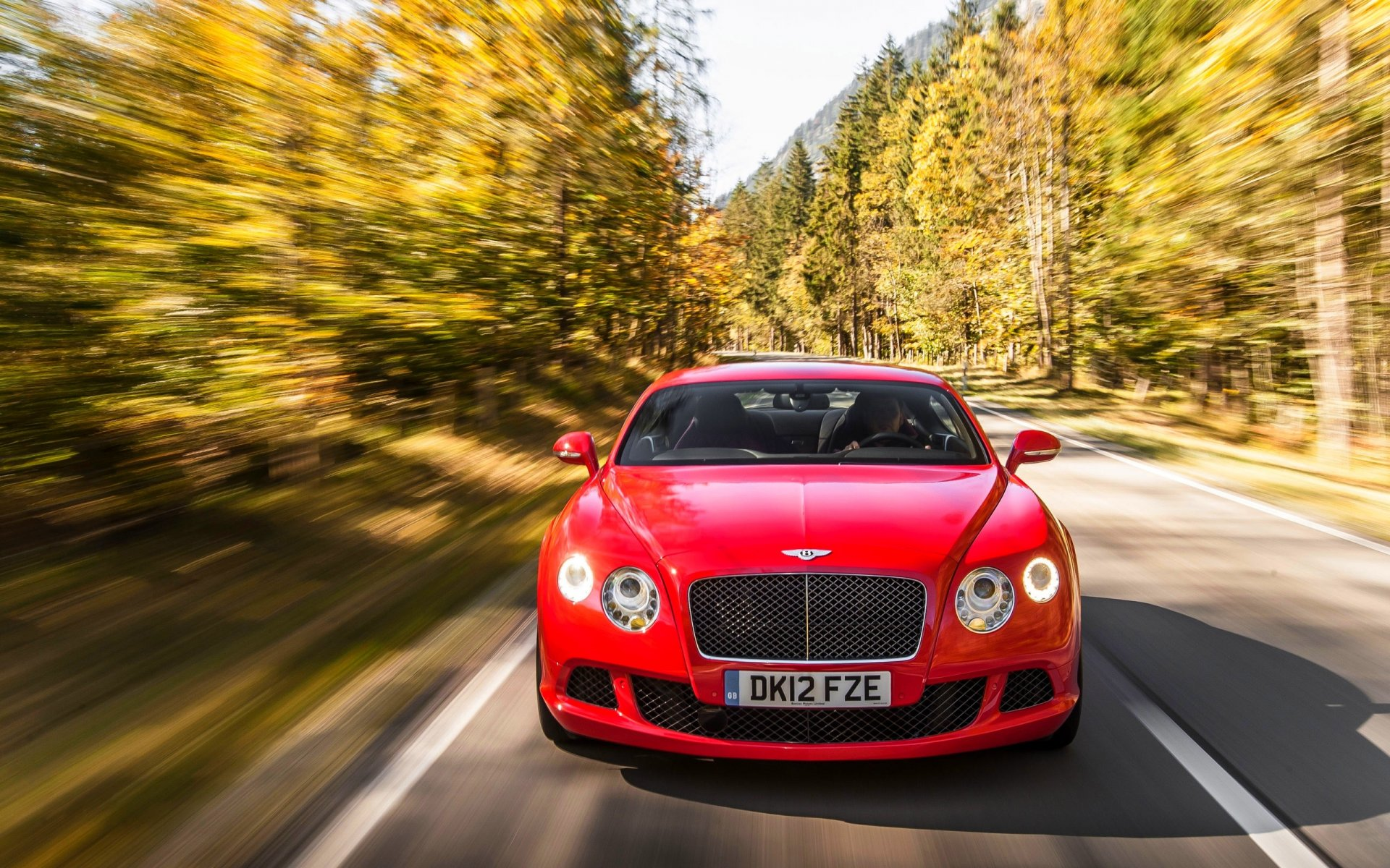 bentley continental капот