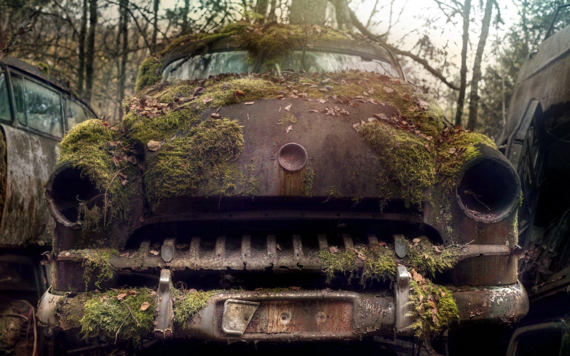 Старое авто в сарае скачать