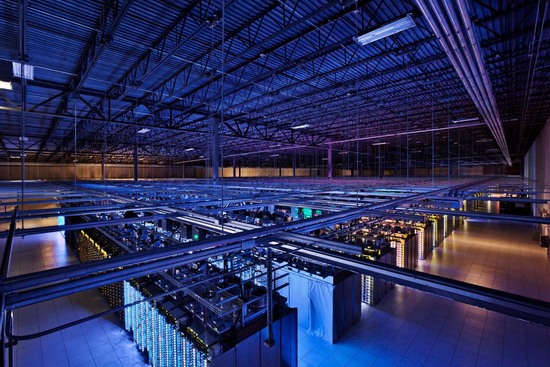 В Северной столице хотят создать огромную корпорацию по обработке данных