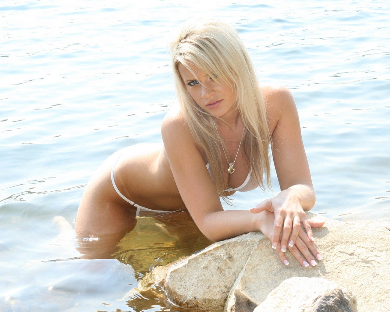 Blonde sex beach — pic 13