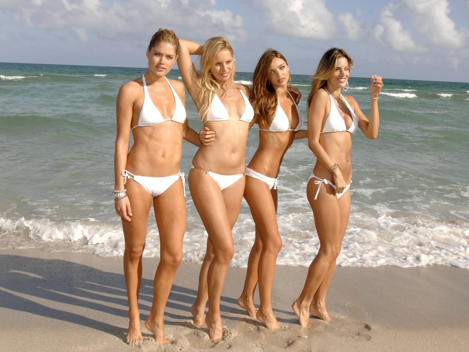 секс на пляже русских девушек сказал что