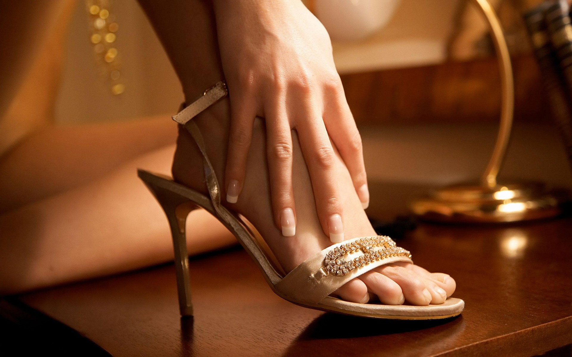 Cathedral: Nelson DeMille: : m: Books Beautiful womens feet photos