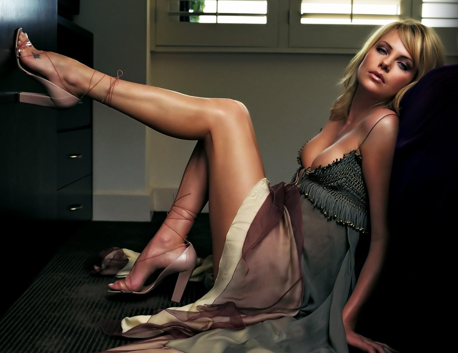 взгляд как сексуальные ножки звезд фото слово, употребляется