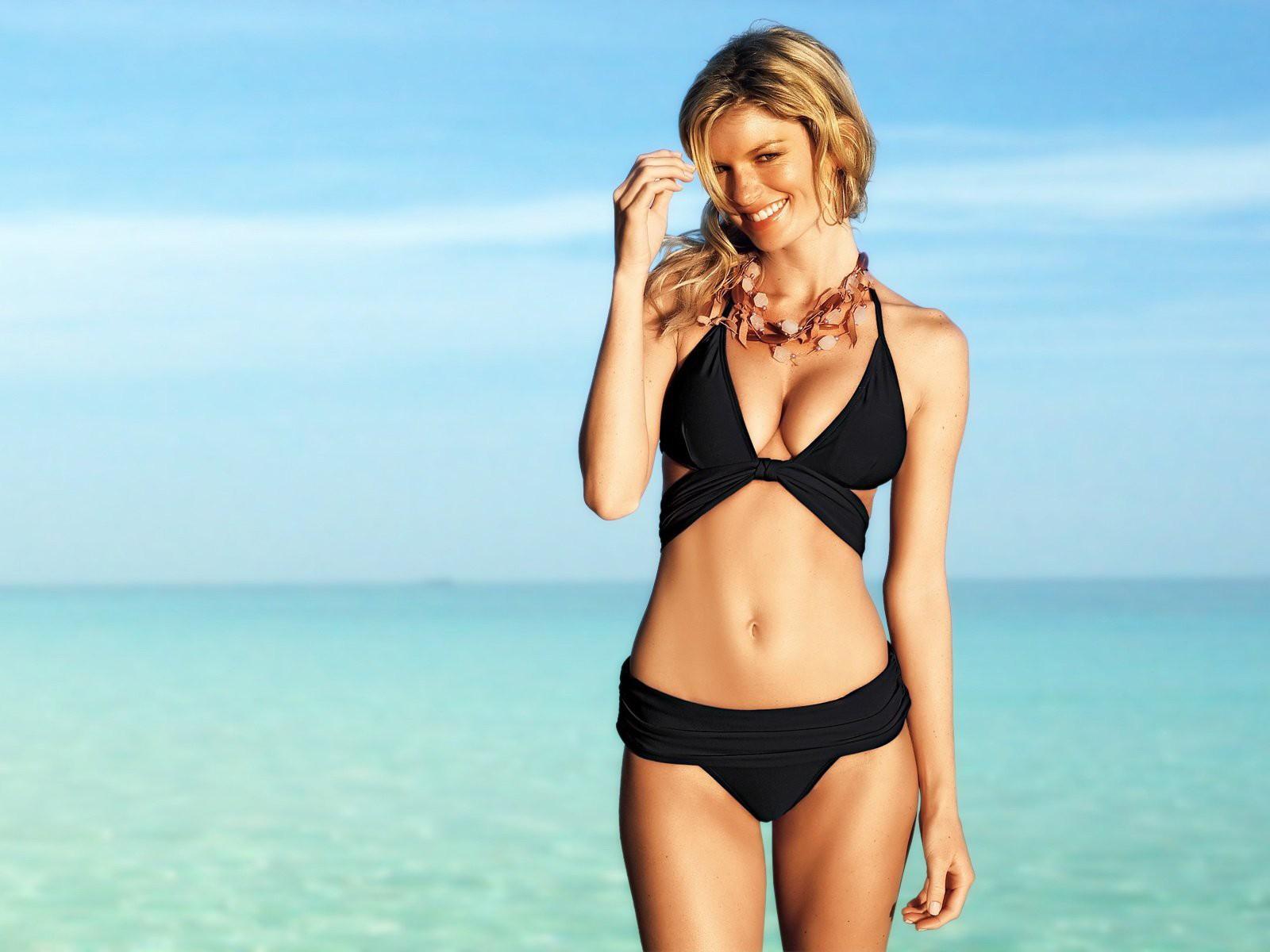 ASOS Online Shopping for the Latest Clothes Fashion 9 11 satellite photos