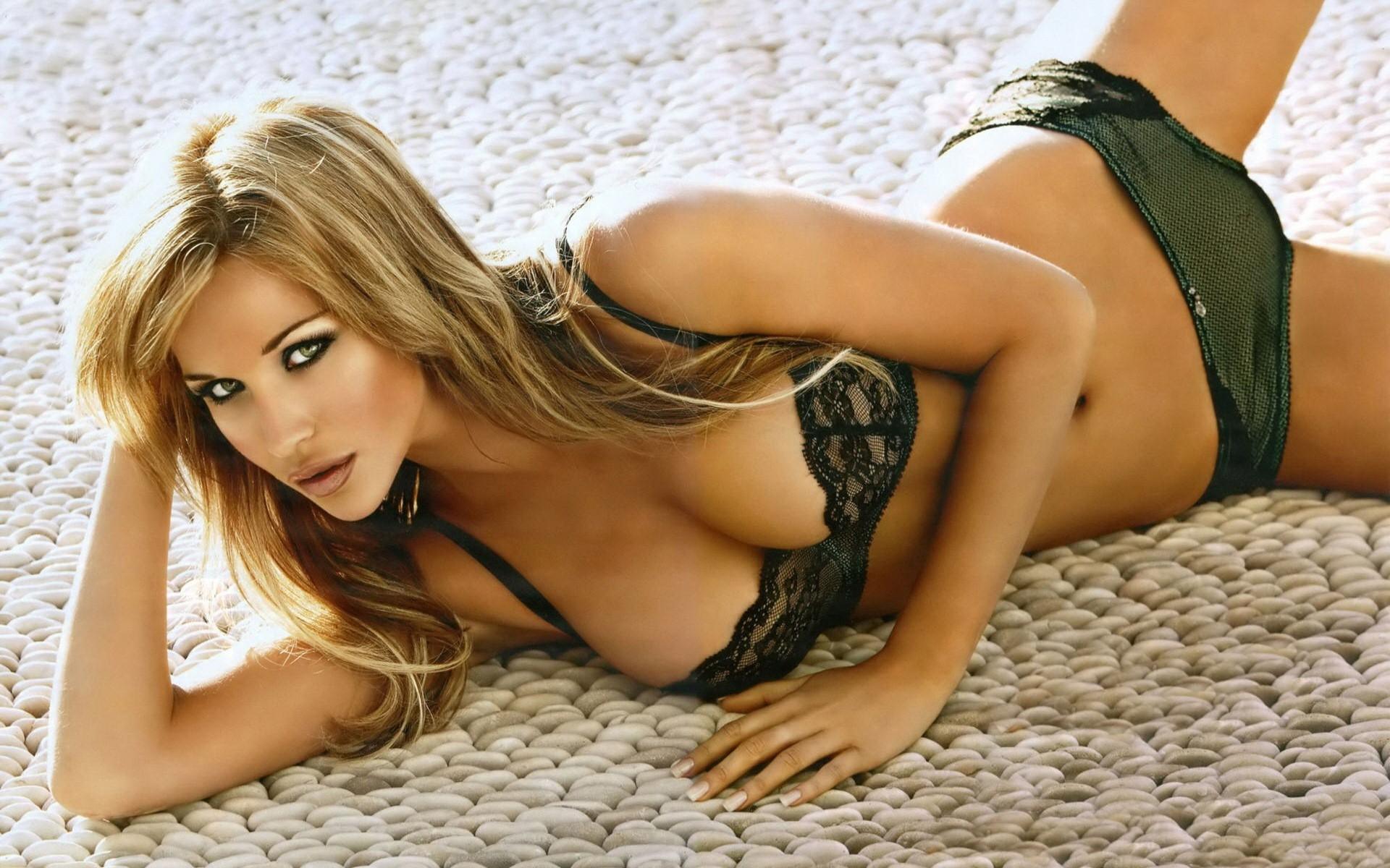 Hot sexy beautiful fine babe girl