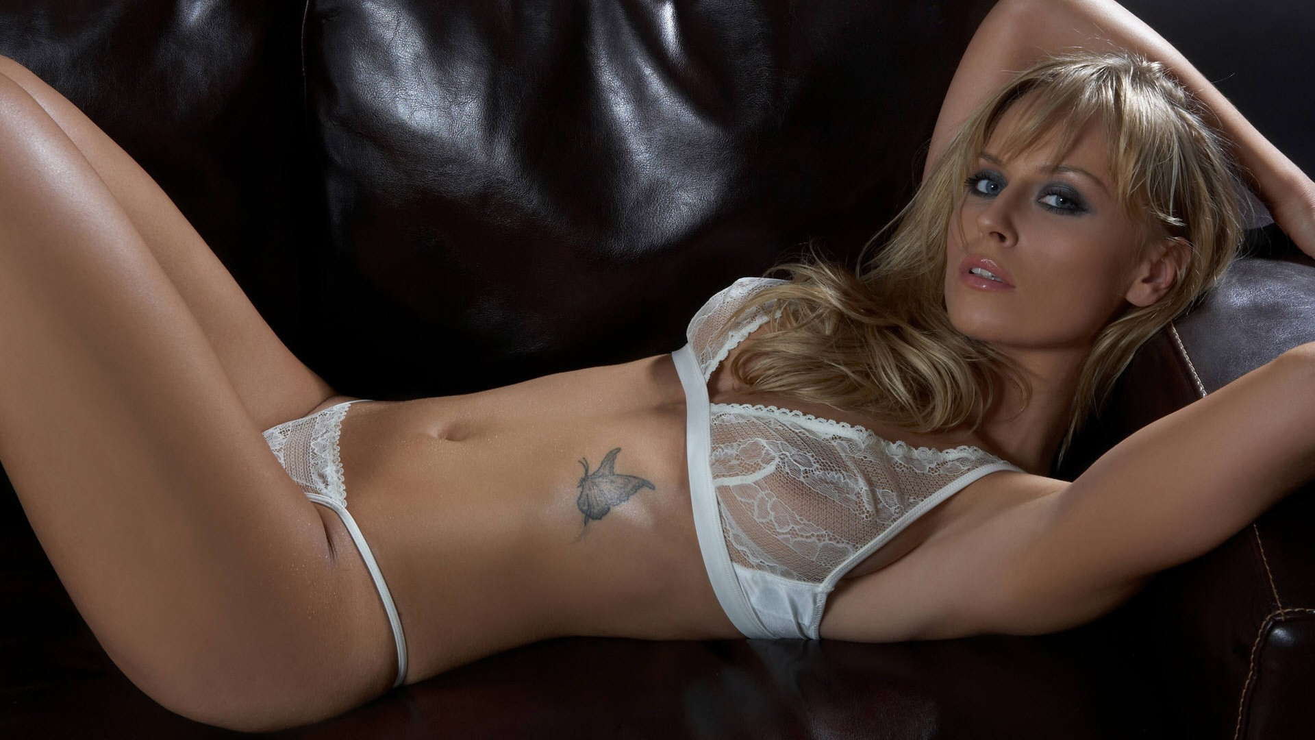 kelly-sex-wife-in-sexy-lingerie-wallpaper-with-sexy