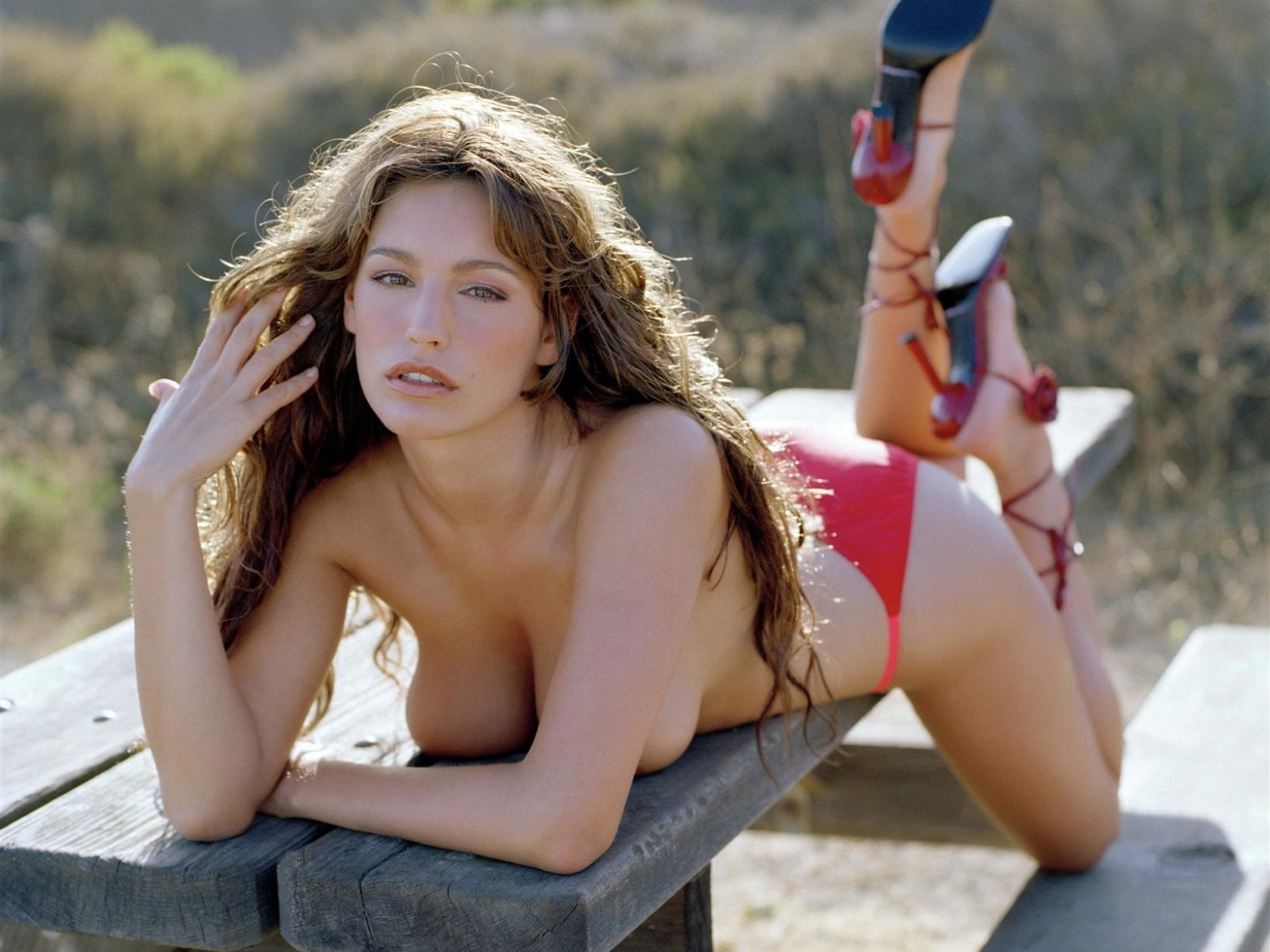 kelly brook сиськи туфли