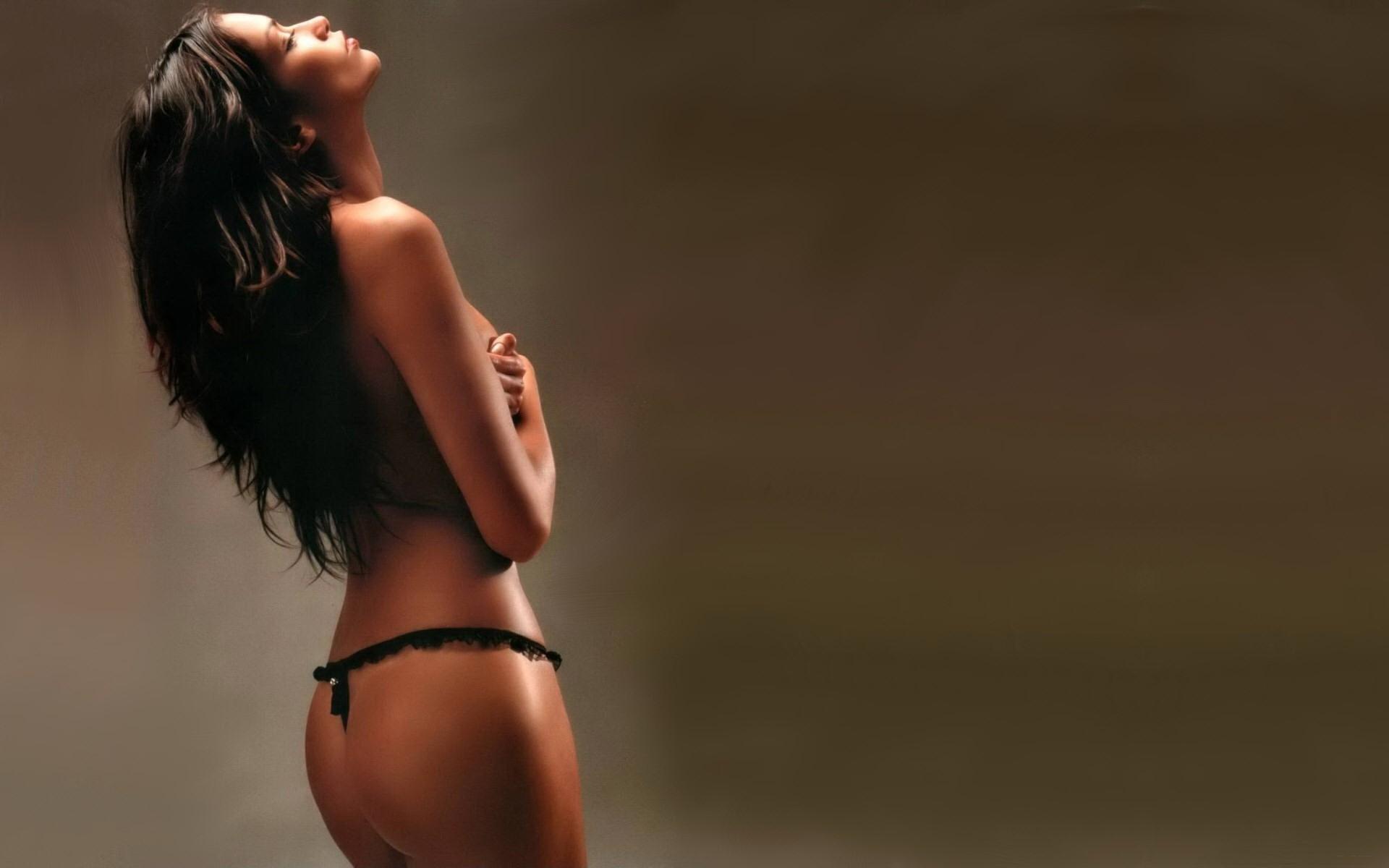 Картинки сексуальных красивых брюнеток со спины #11