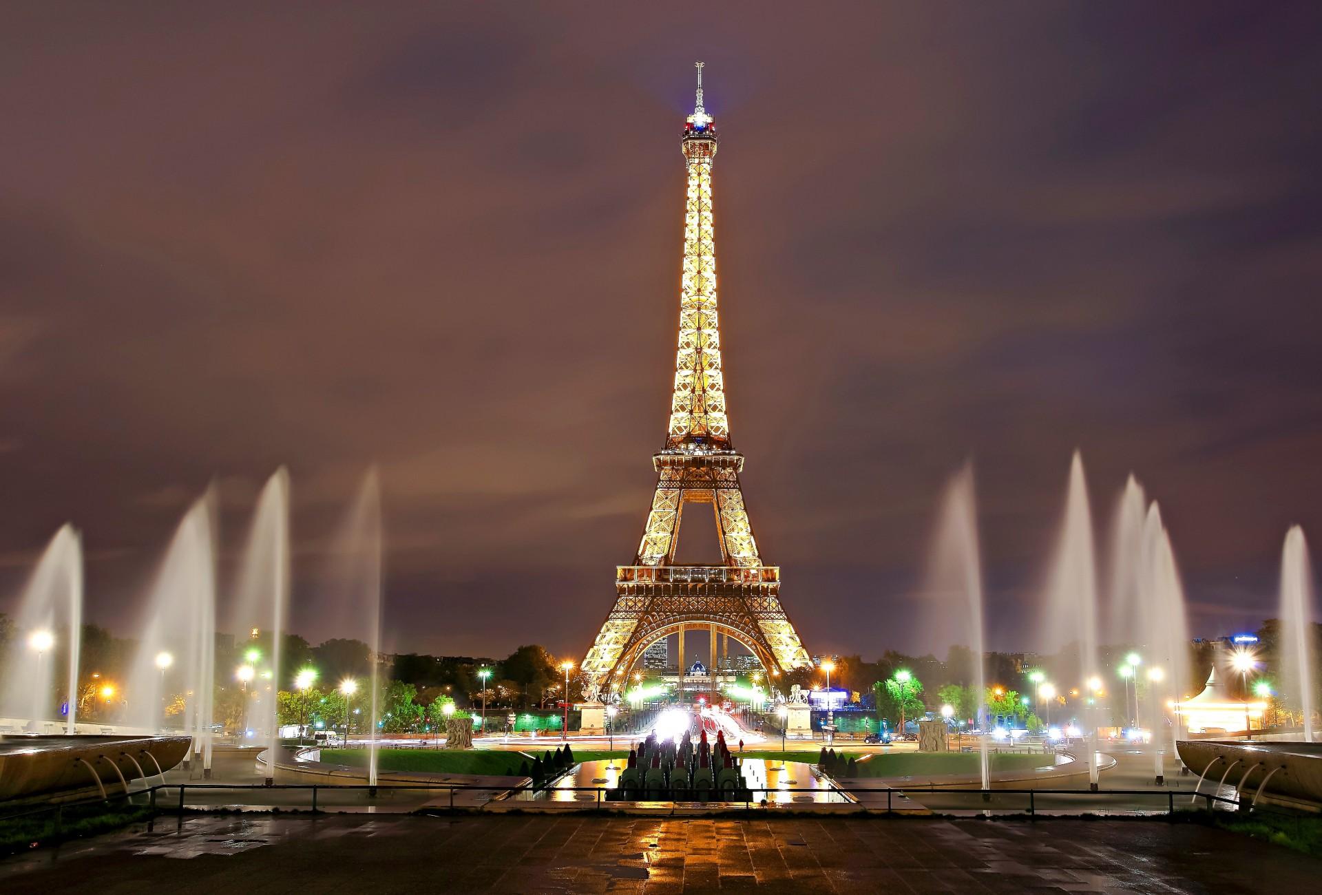 картинка эйфелева башня с фонтанами выбор ярких стильных