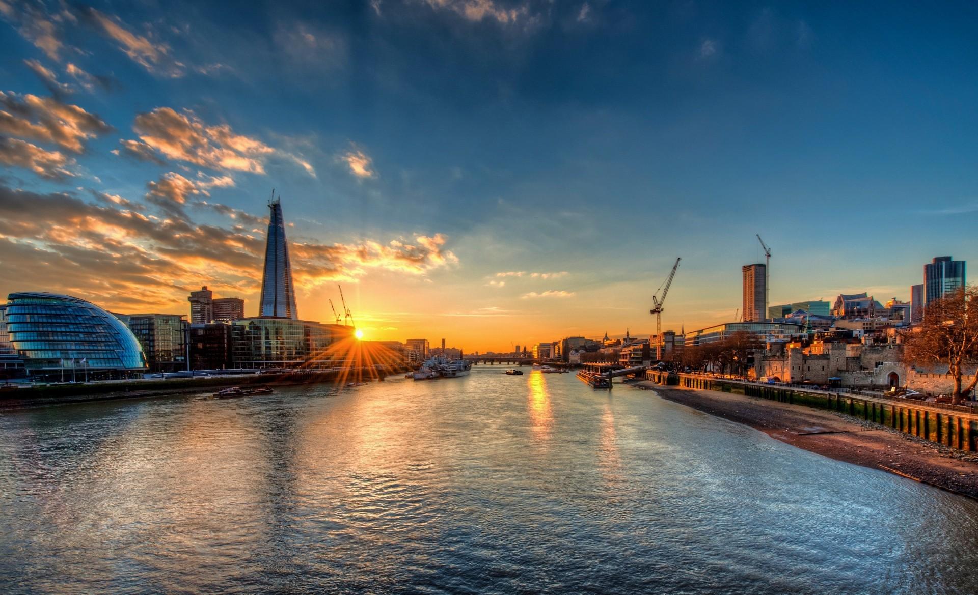 картинка темза в лондоне нур насчитывает около