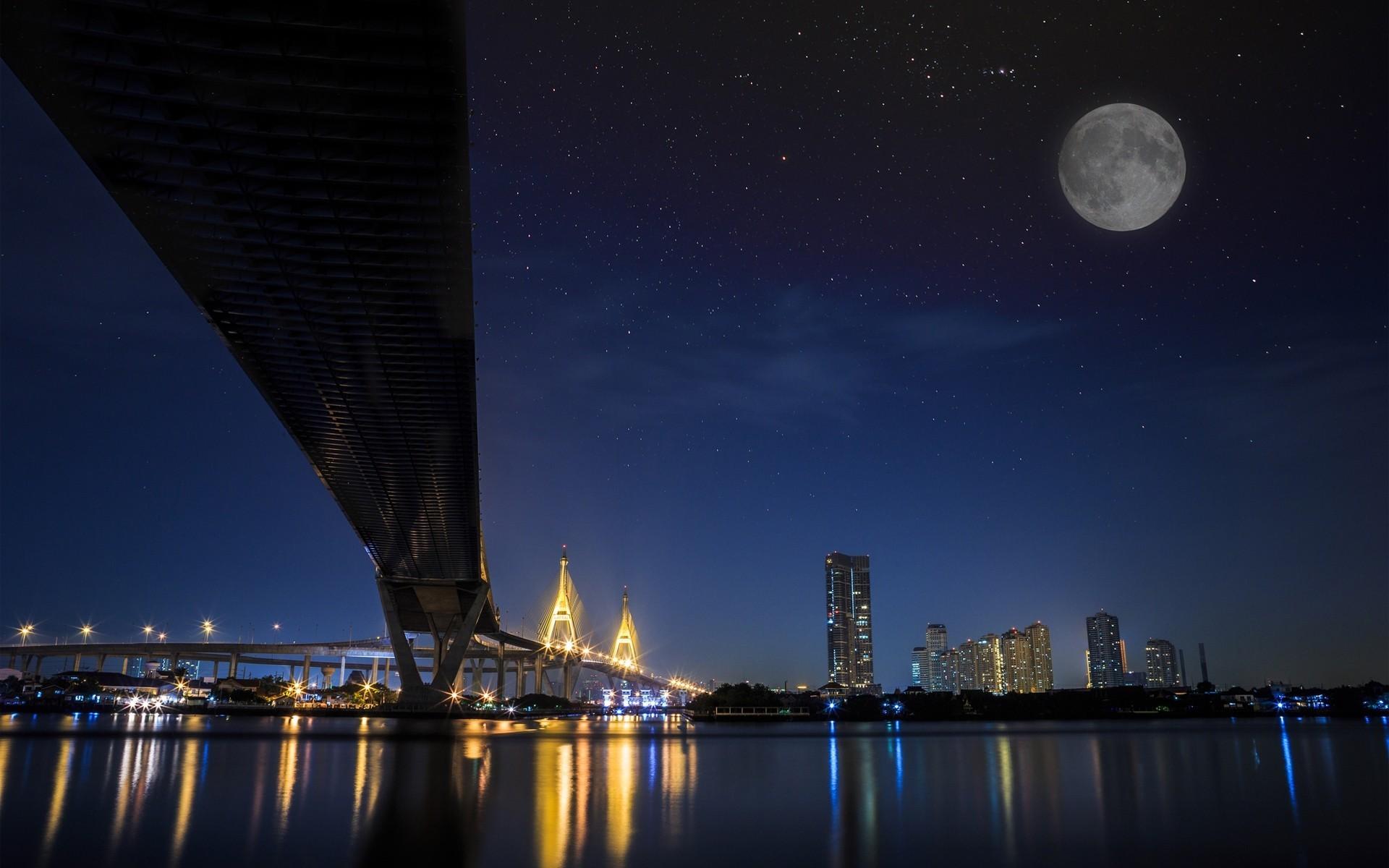 луна над городом  № 1456821  скачать