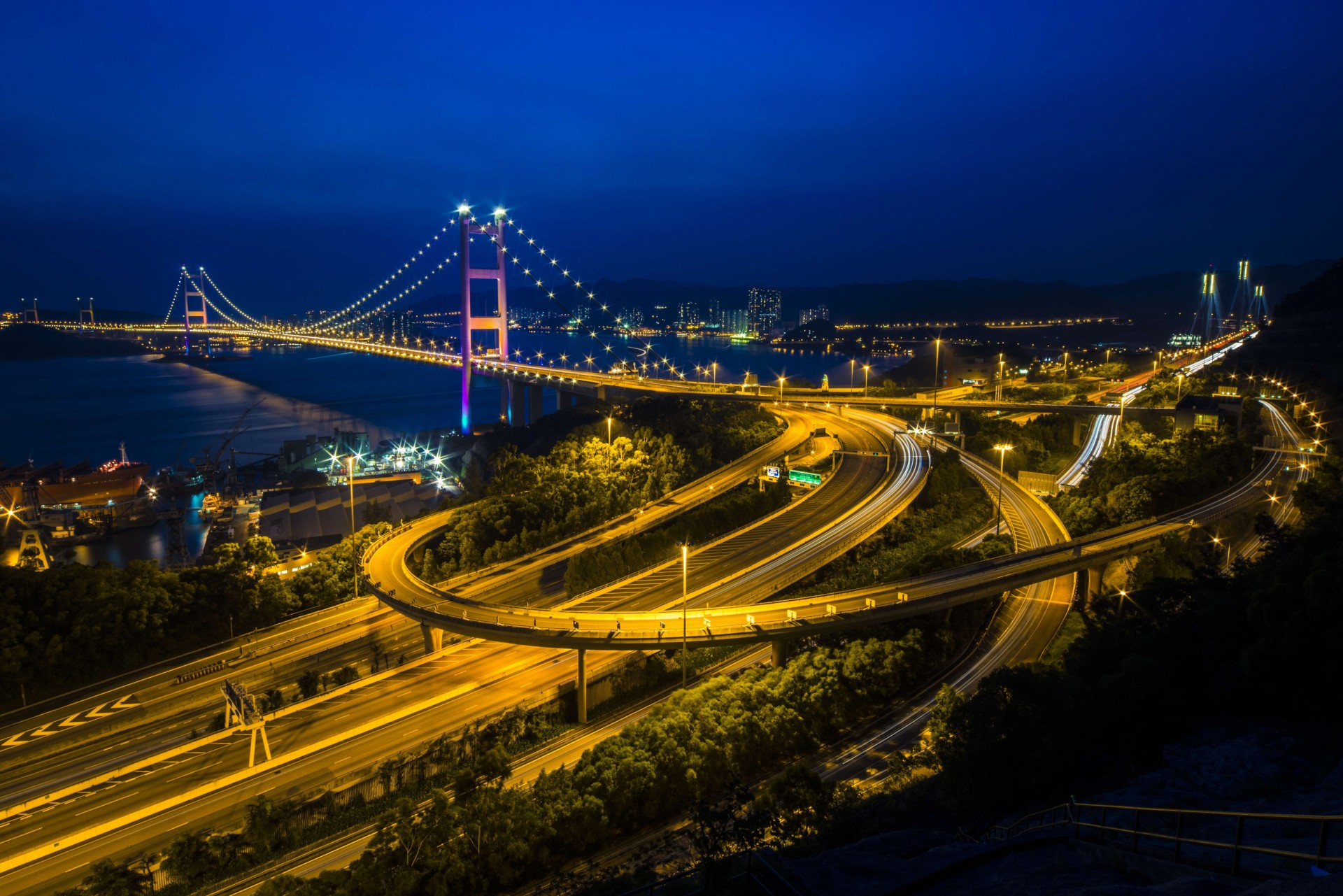 Картинка ночного моста