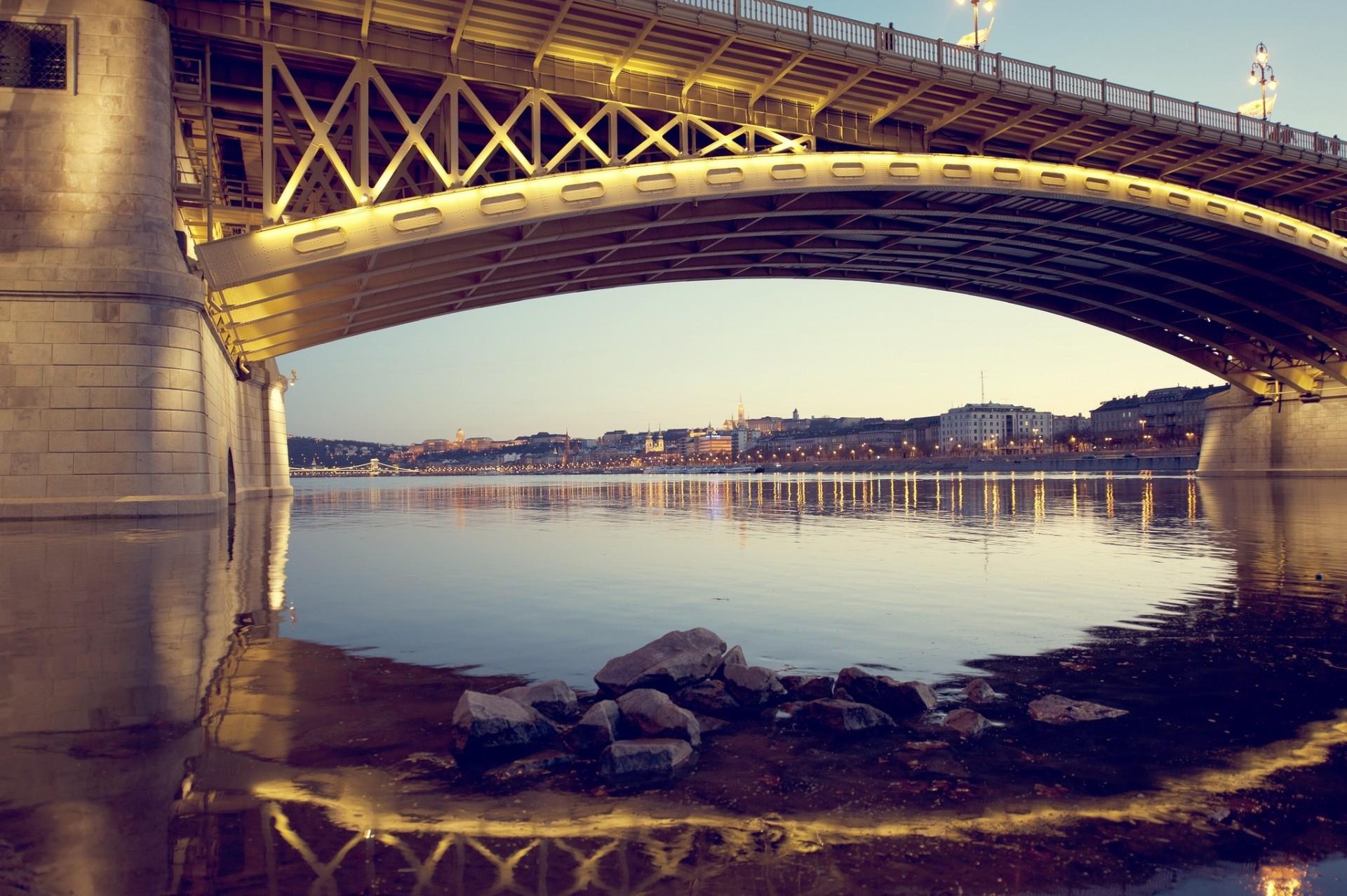 картинки реки под мостом кто какие