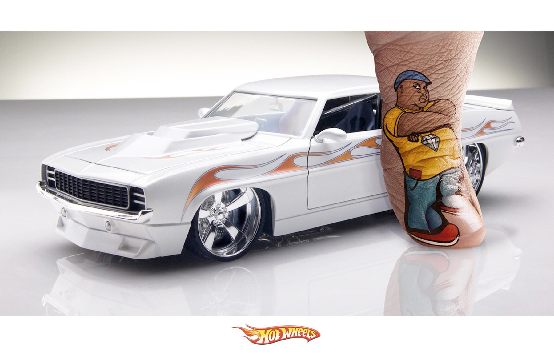 палец авто hot wheels white