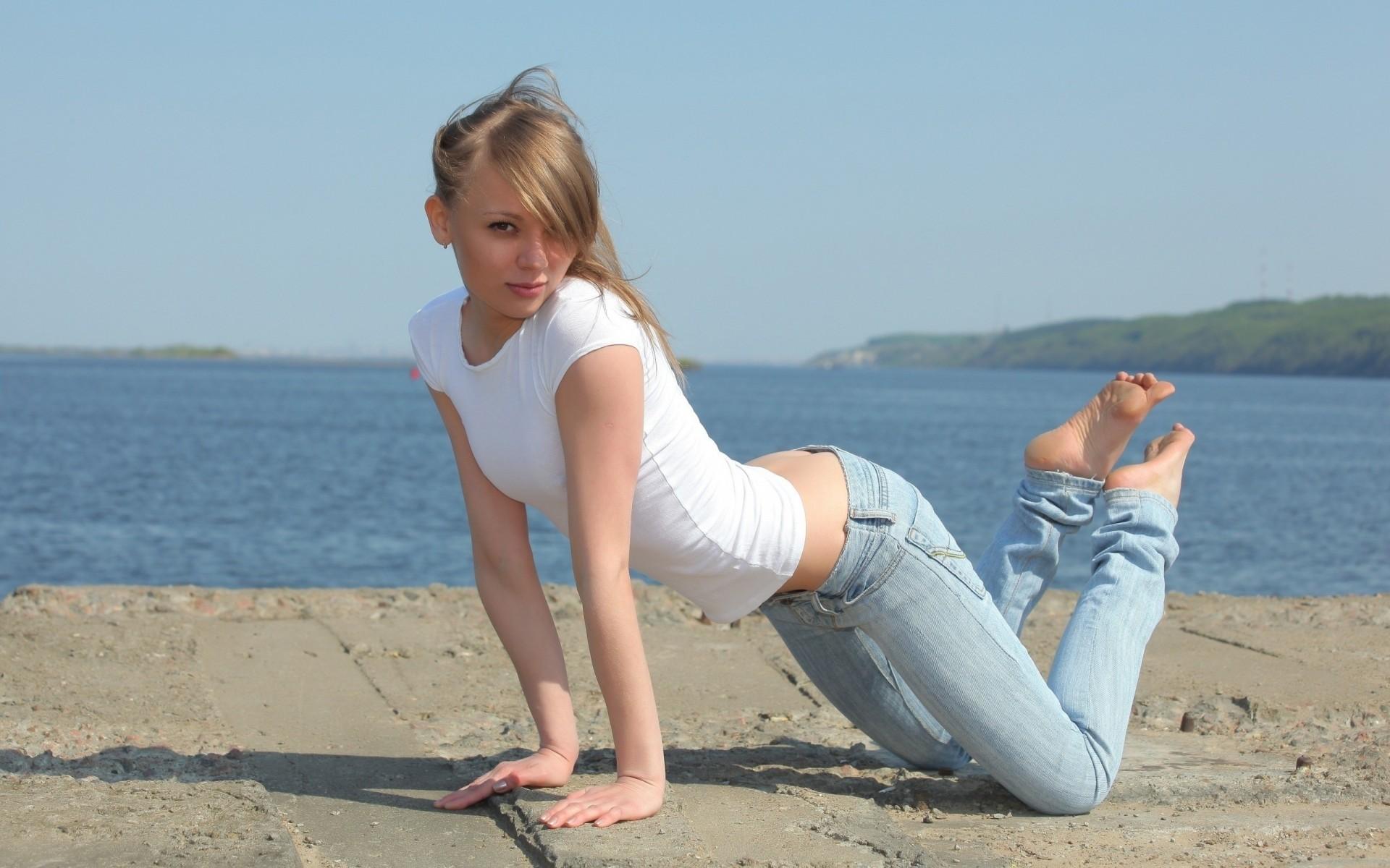 Молодые женщины без одежды вконтакте