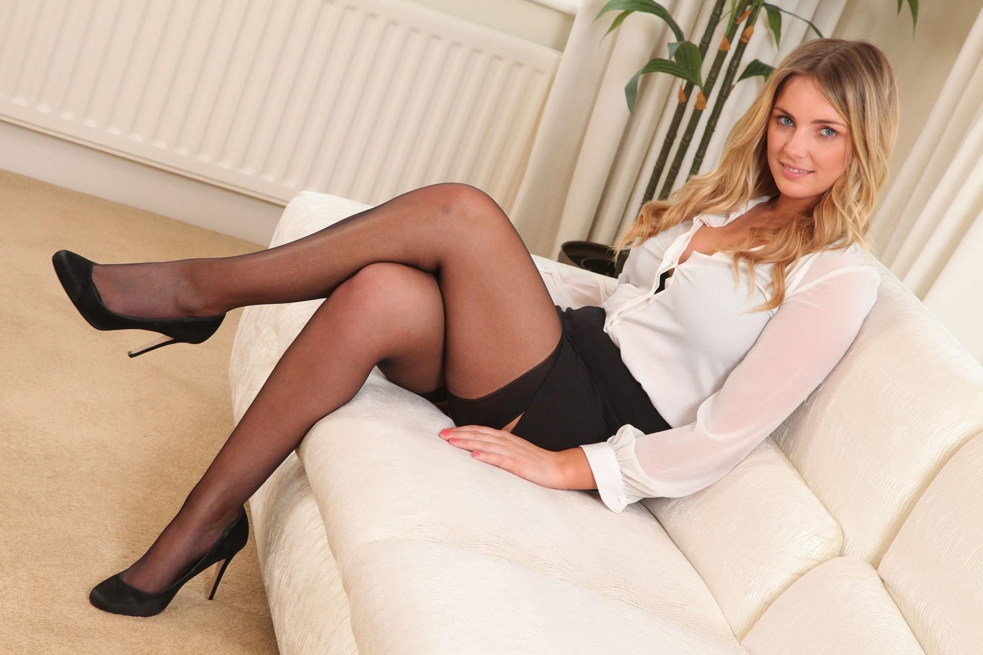 Шикарная девушка в юбке, Порно В юбке -видео. Смотреть порно онлайн! 14 фотография