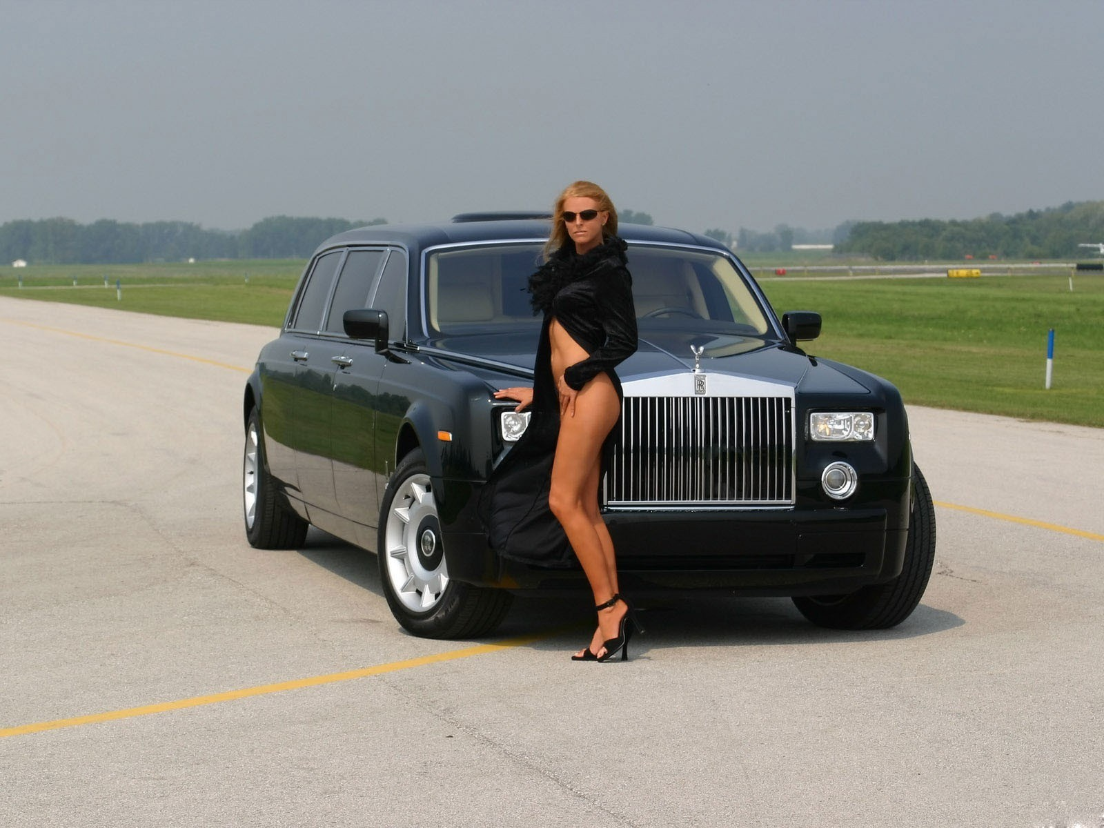 rolse royce phantom аэропорт