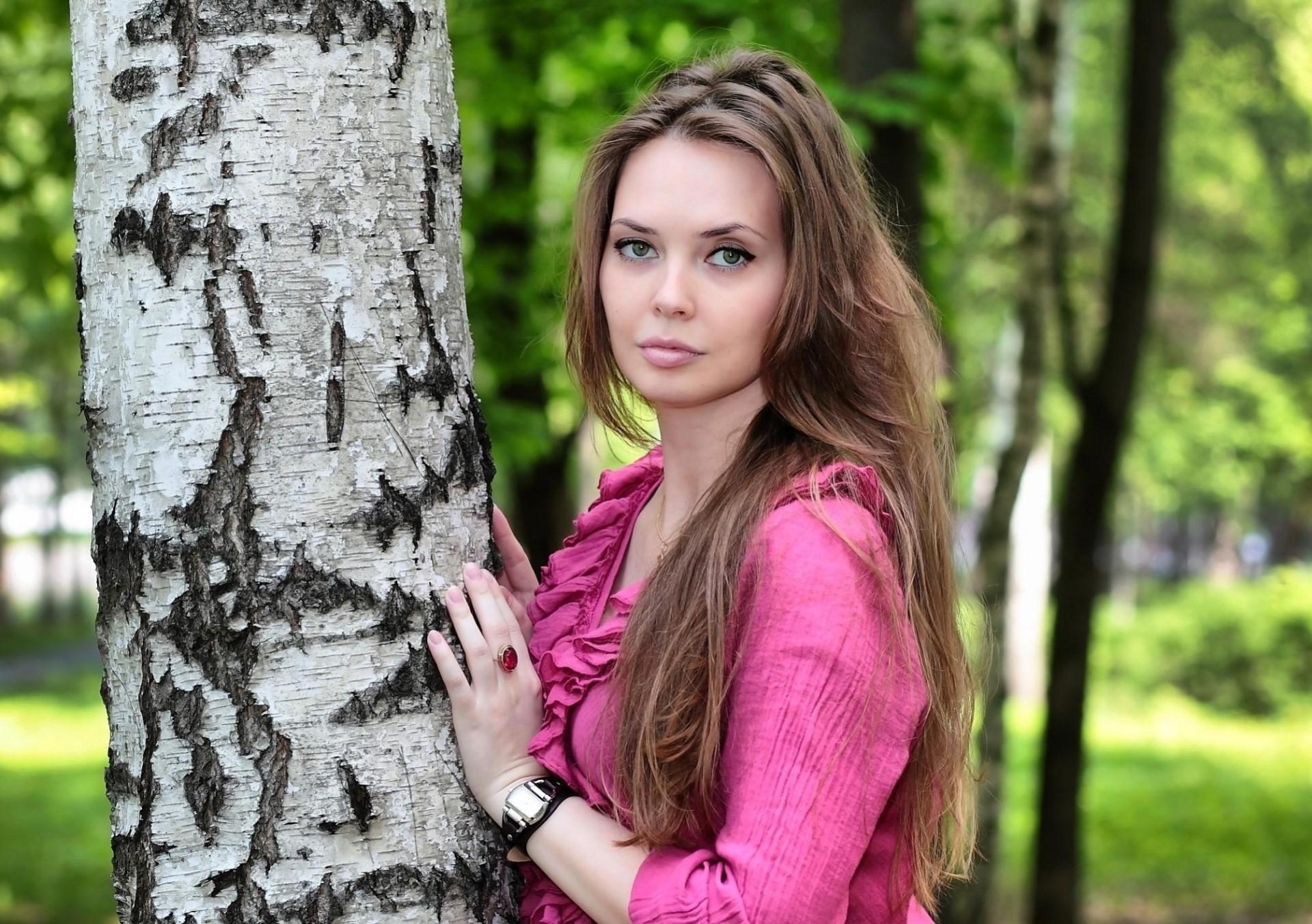 Фото галереи русских девушек, пока жена спит муж трахает подругу жена проснулась и присоединилась
