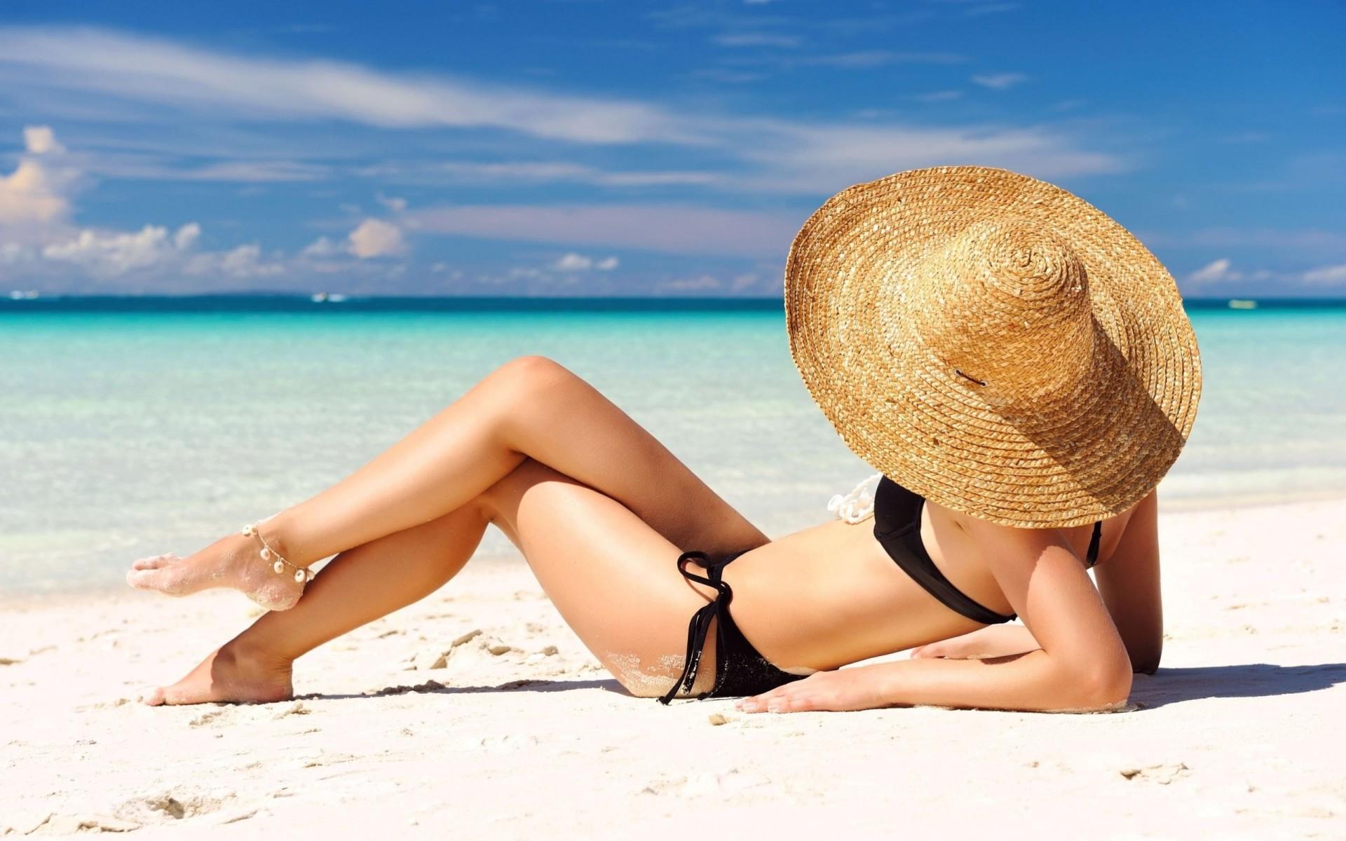 Девушки пляж лето