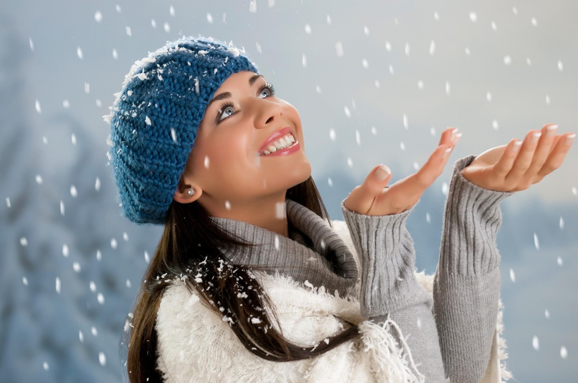 Падает снег на лицо картинки