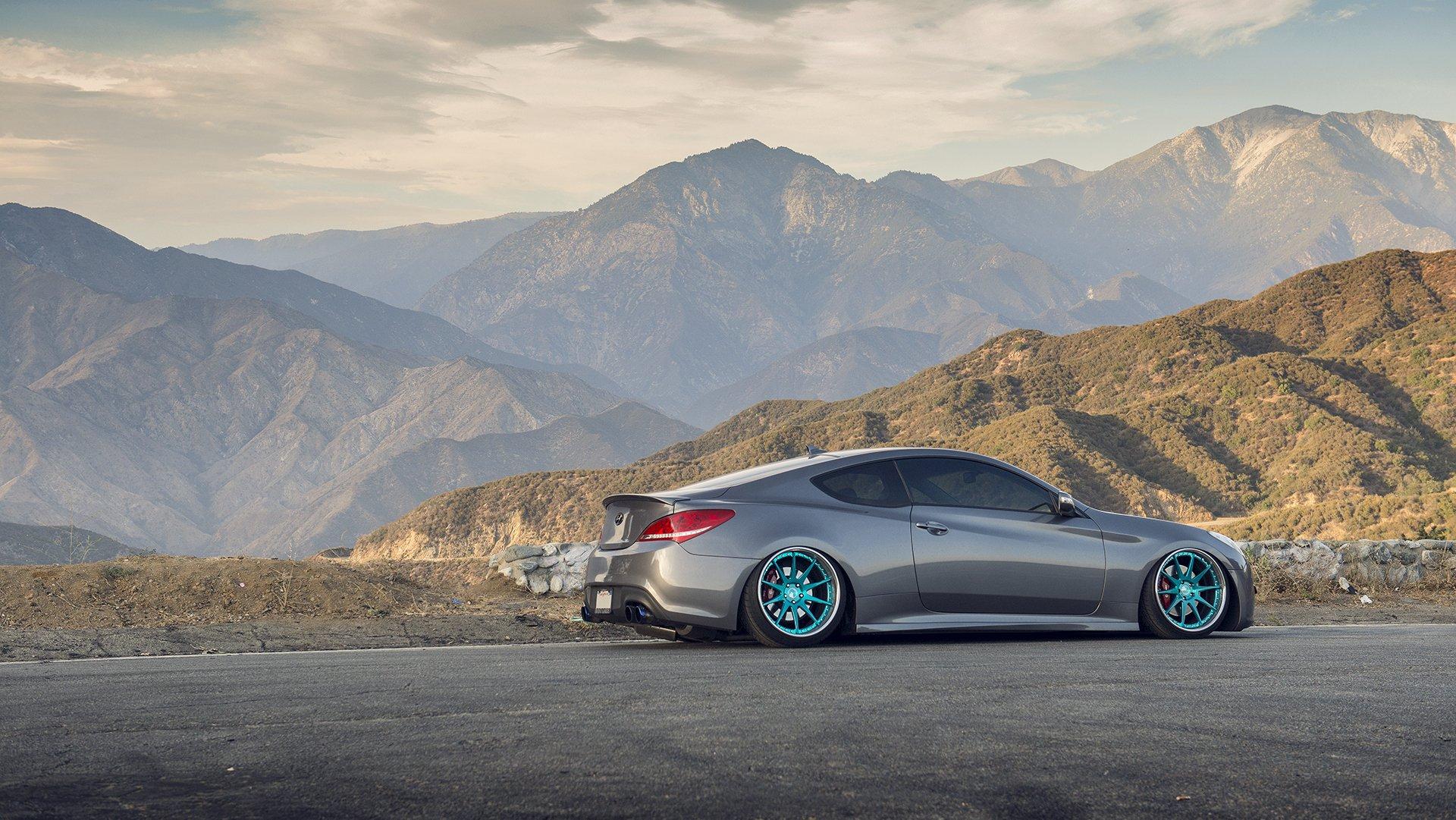 зеленый автомобиль Hyundai Genesis загрузить