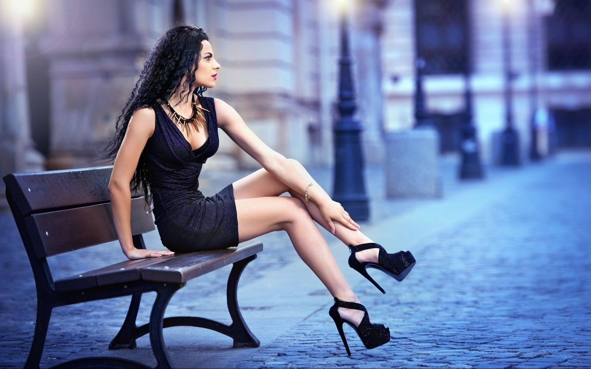 Красивые фото девушек брюнеток ноги
