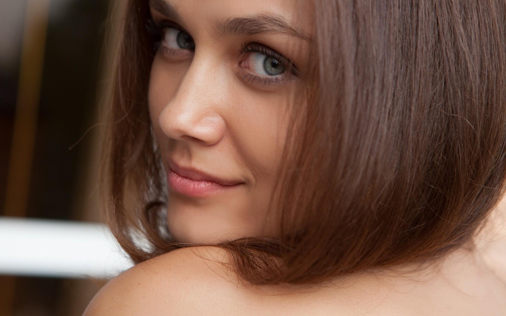 Первое лицо фото девушка посетила