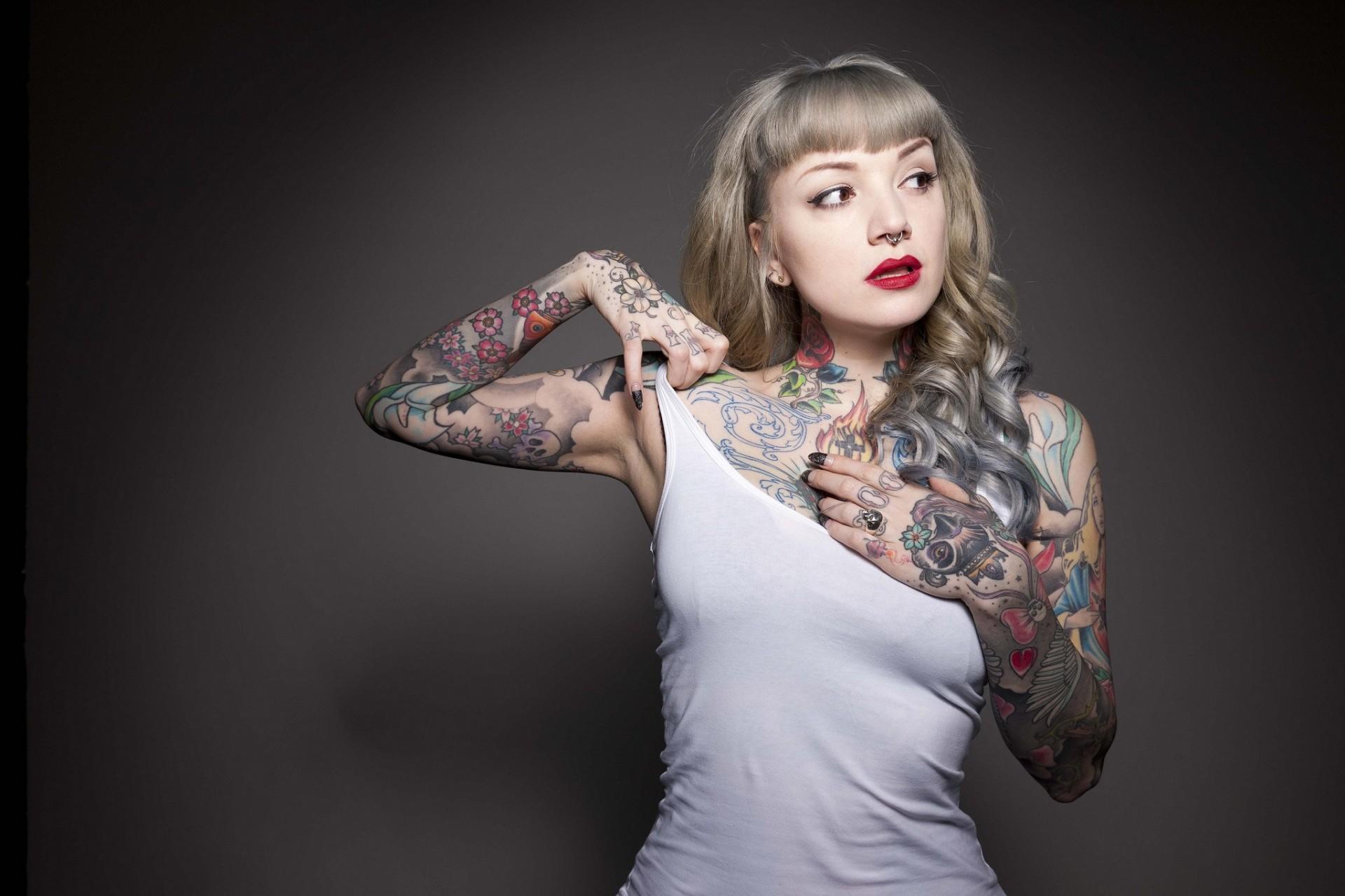 Девки с татуировками