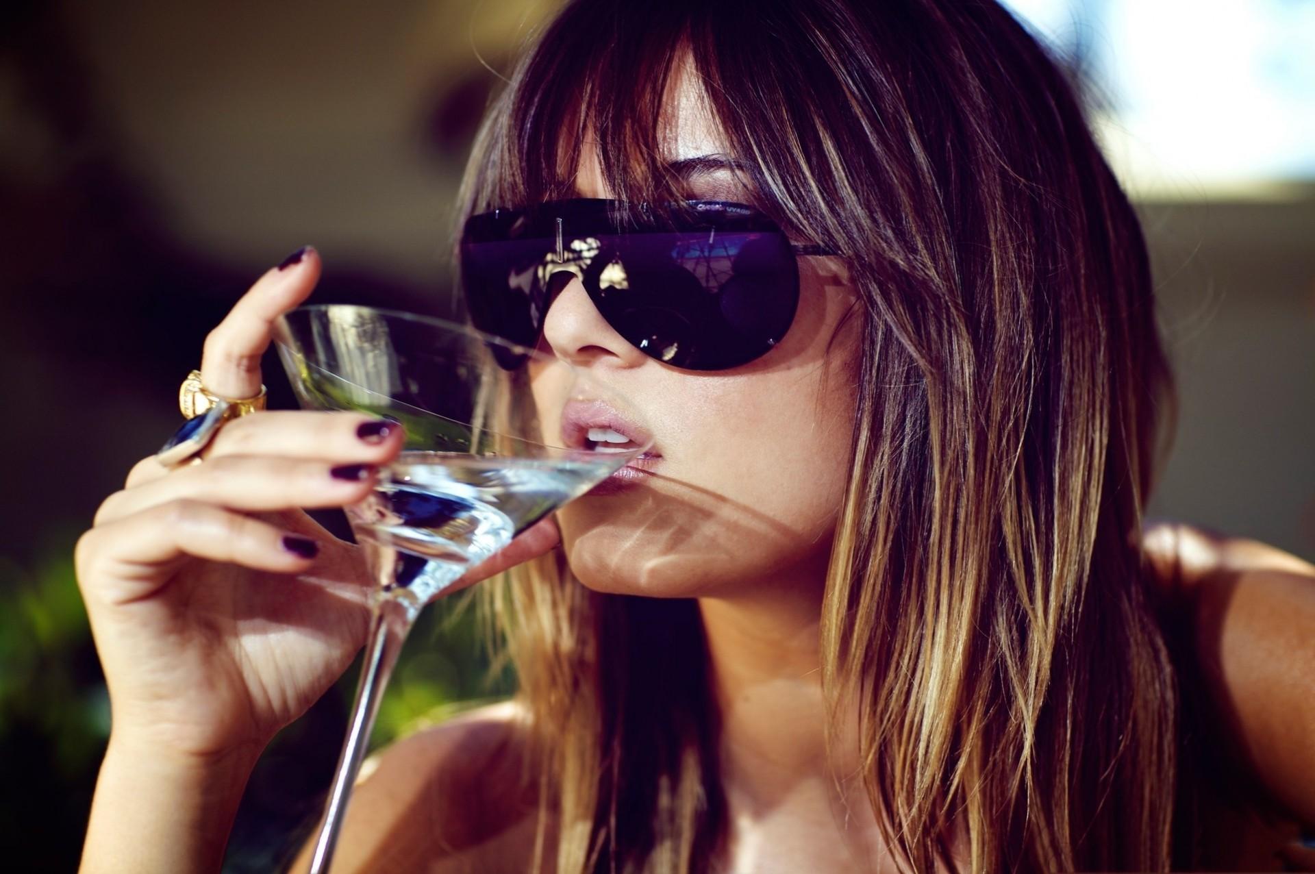 фотки с вином на аву заверили