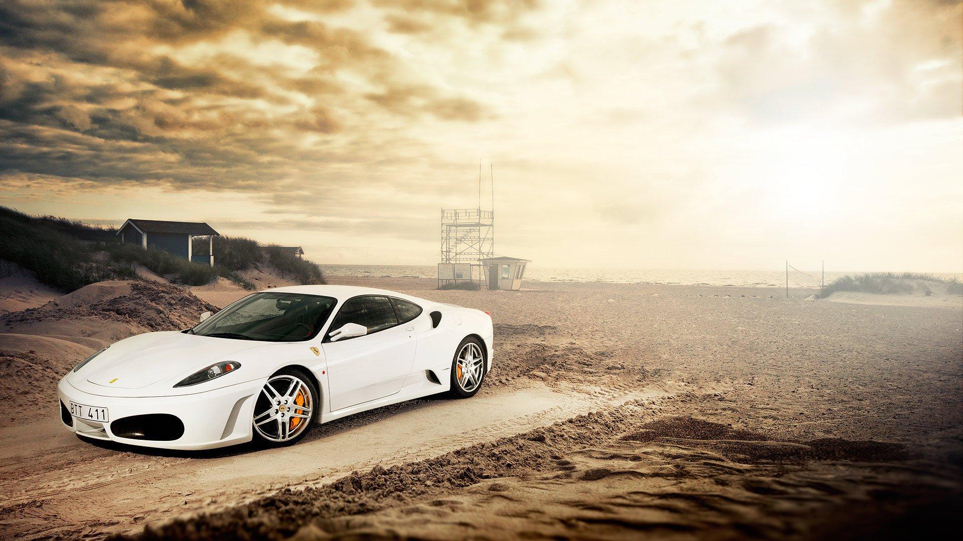 белый автомобиль загрузить
