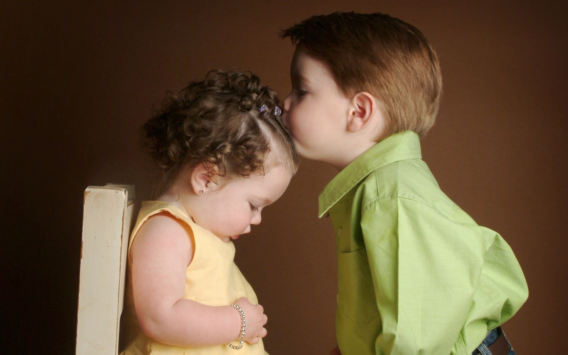 Фото как мама целует писюн сына