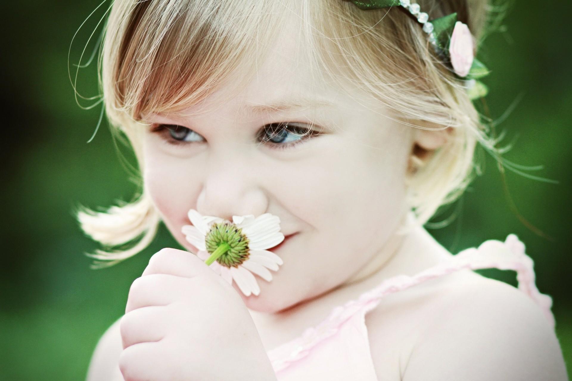 малыши с цветочками картинки кипящее повидло