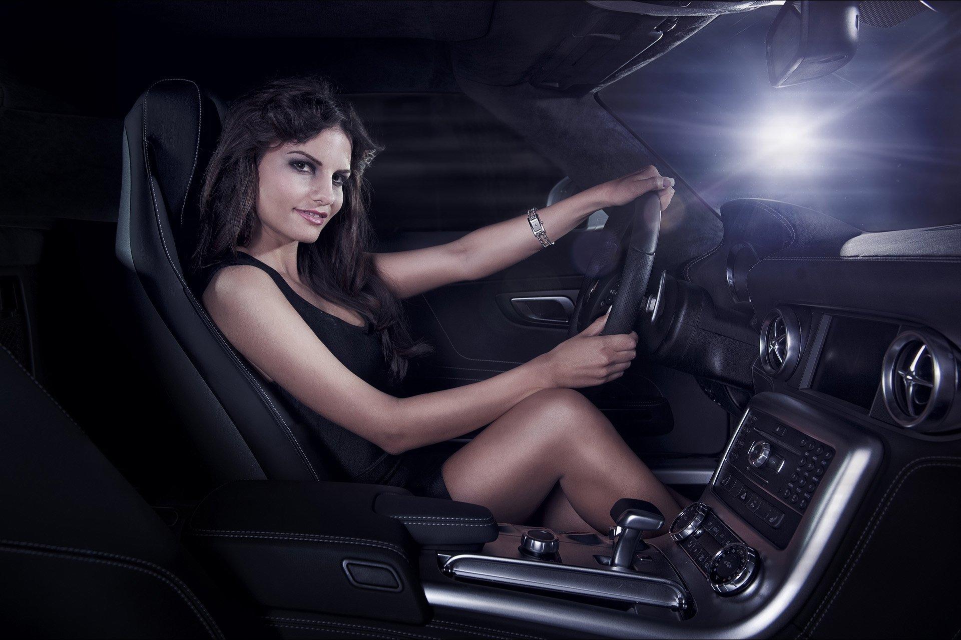 фото в машине девушки - 4