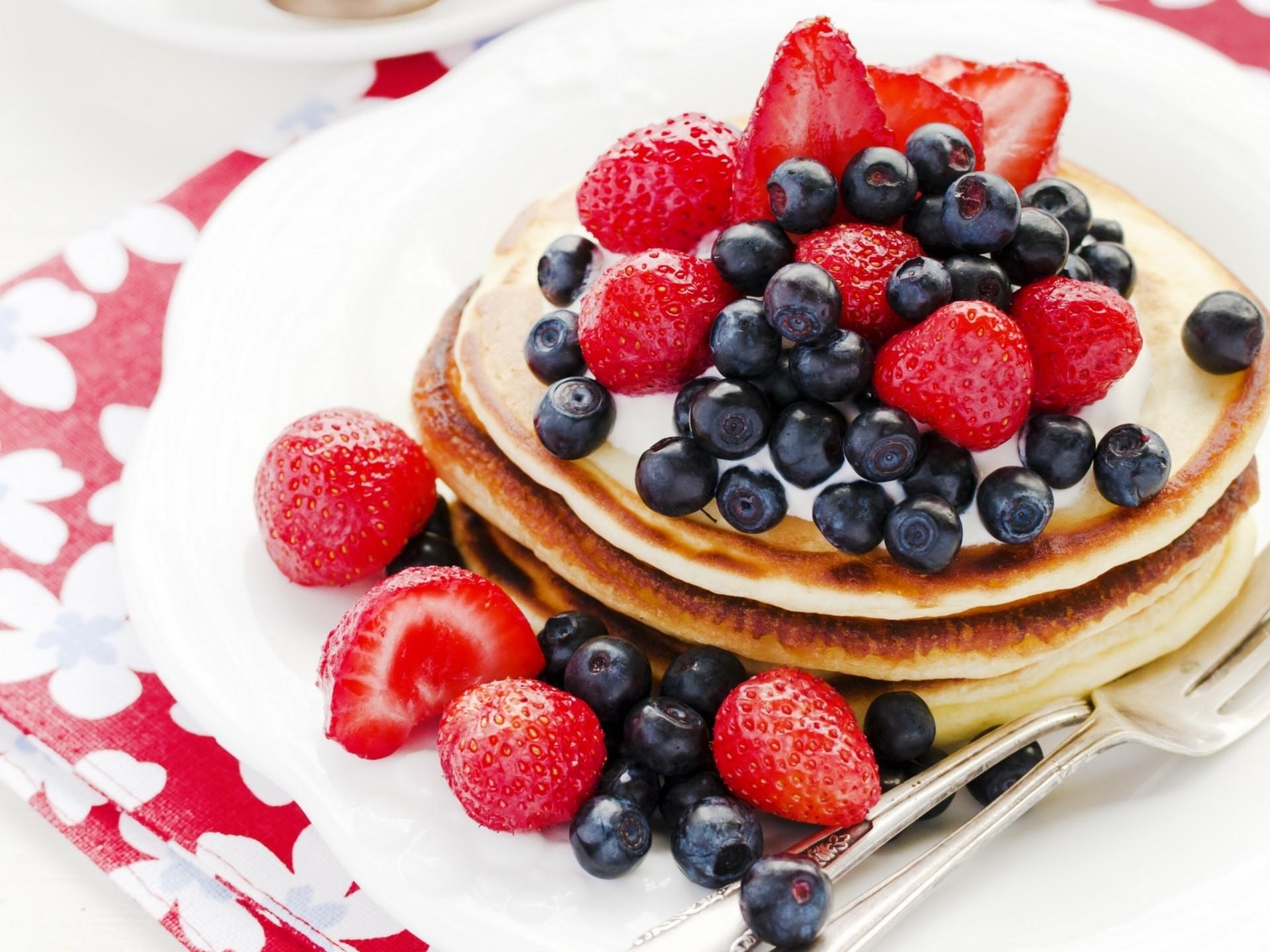 стопка блины фрукты ягоды бесплатно