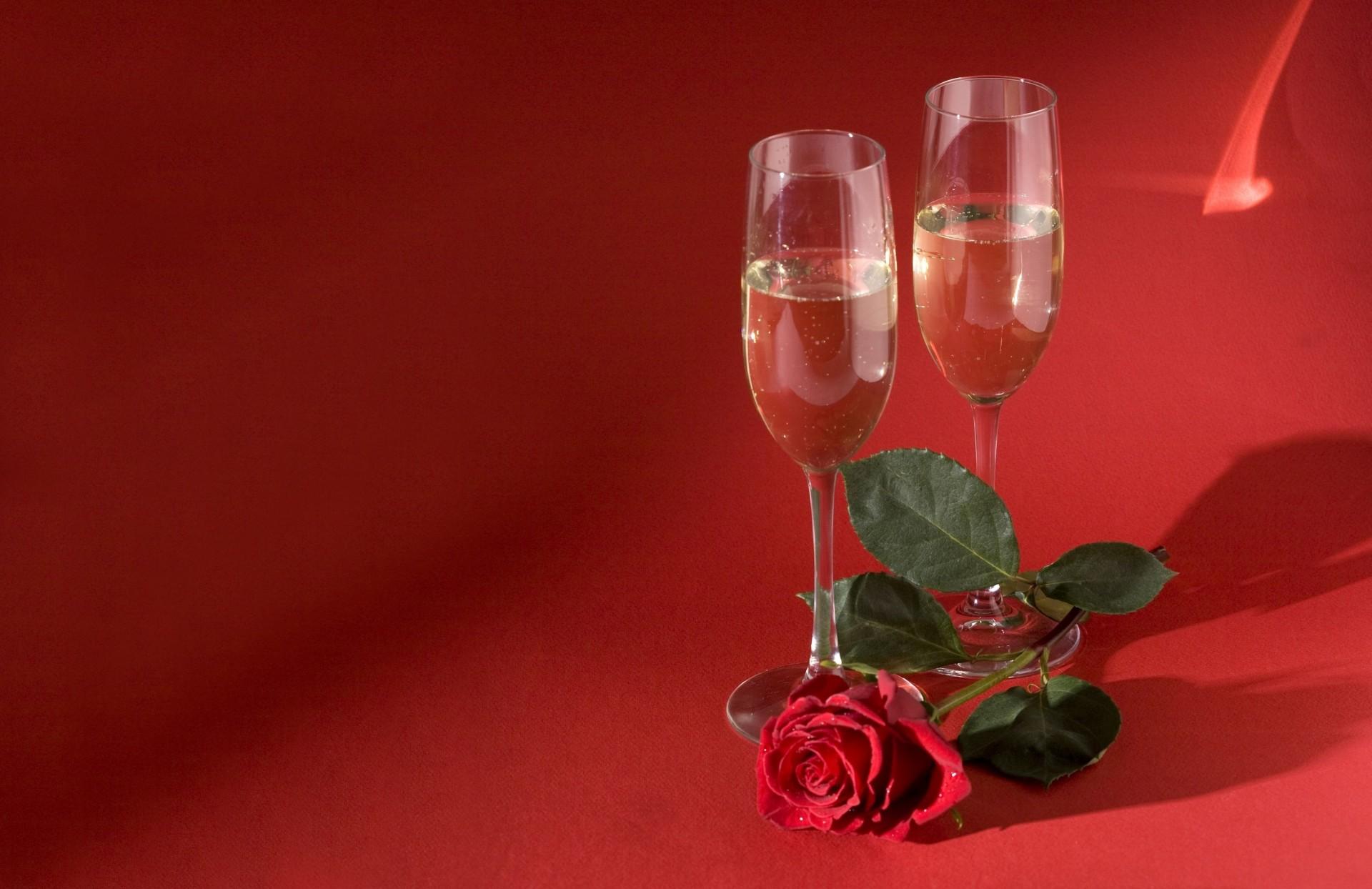 организациях картинки с бокалами и розами двор, летняя