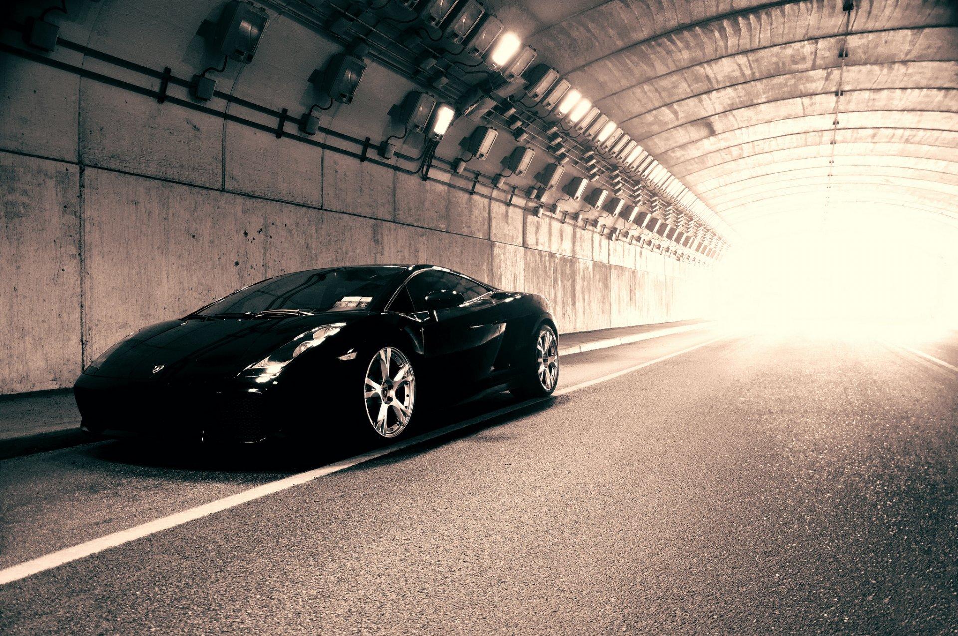 Авто в тунеле бесплатно