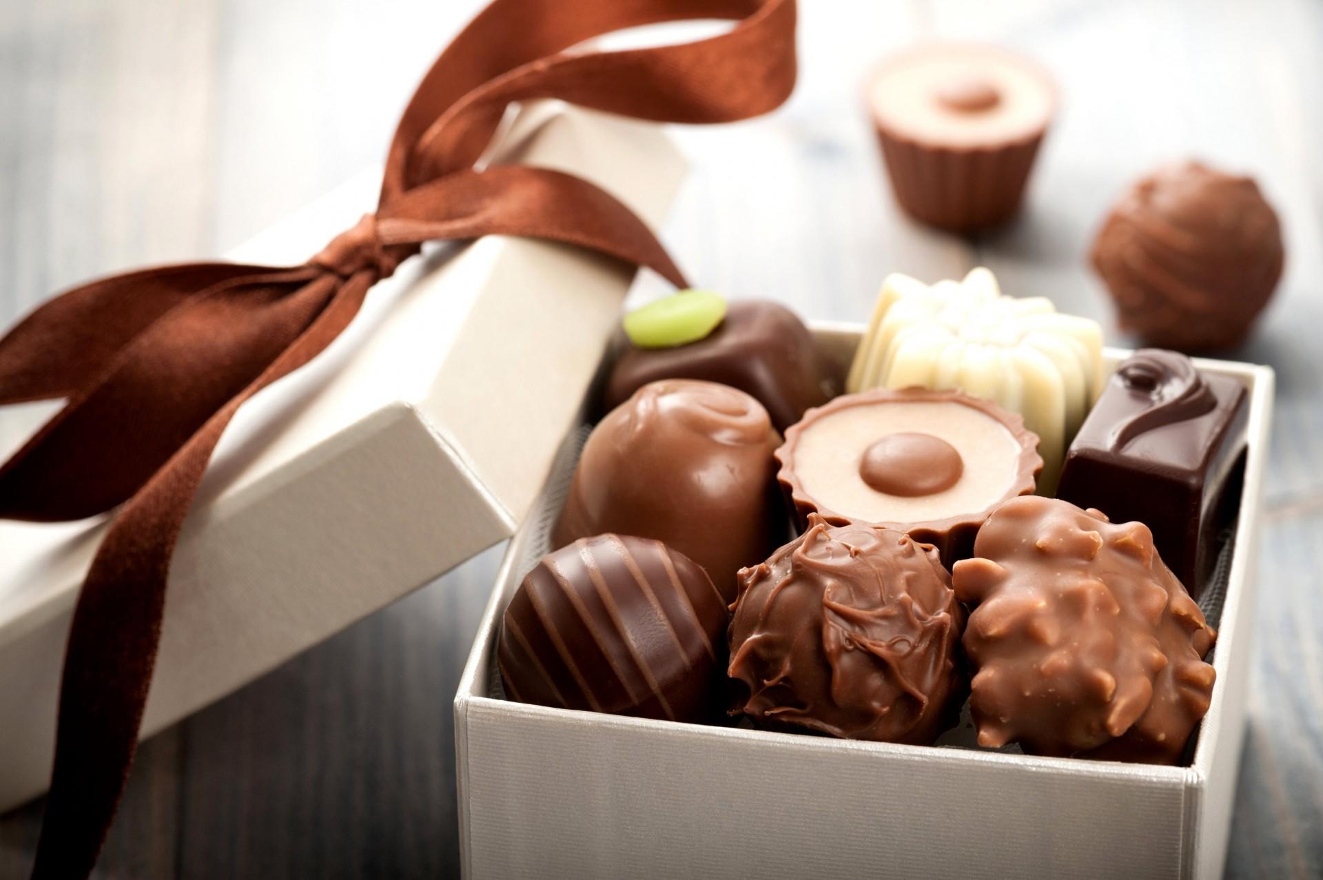 обои для рабочего стола коробка конфеты № 610505 загрузить