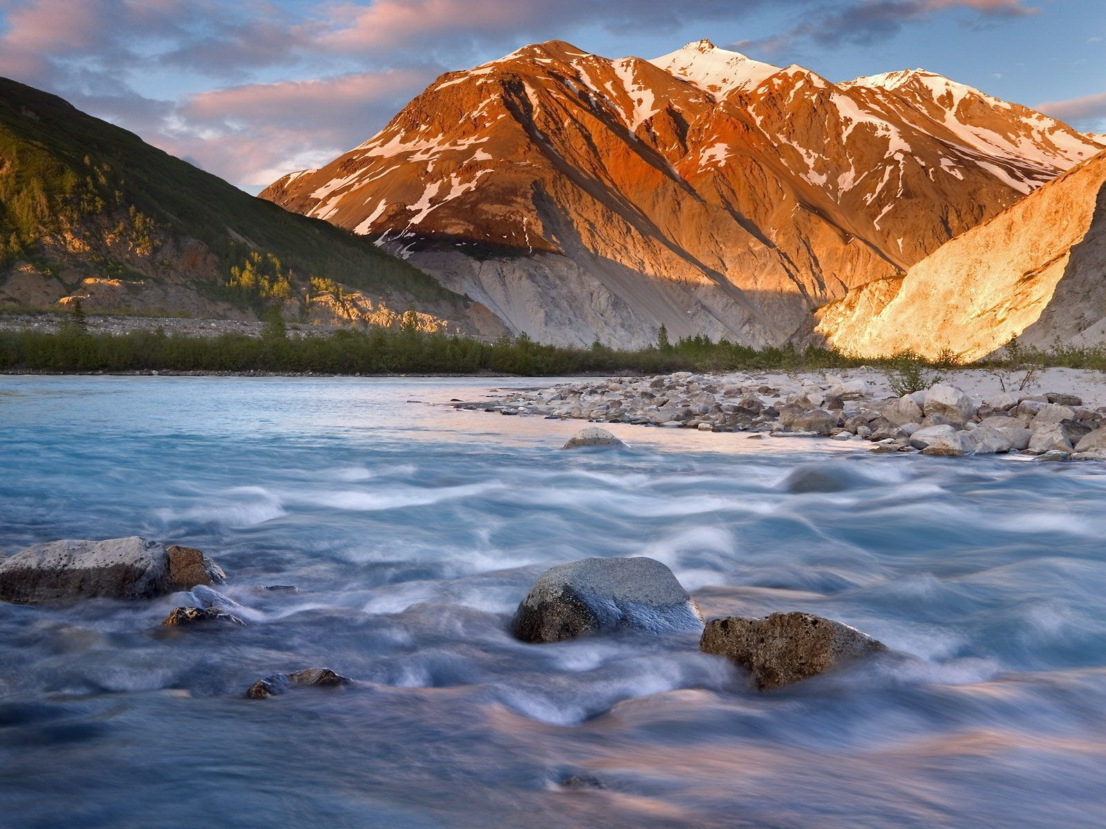 гора речка камни скачать