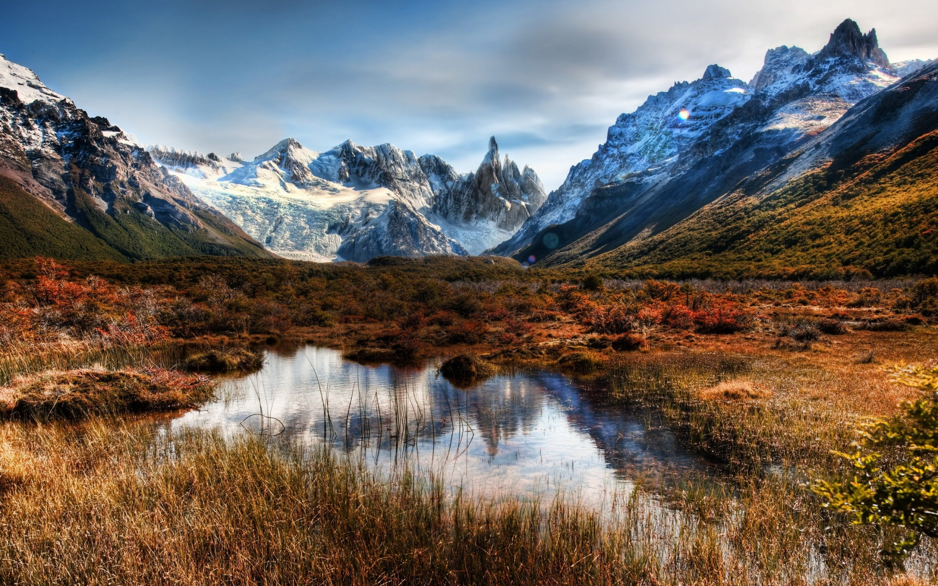 необычно оформить фото горных пейзажей в высоком качестве заводского немного хватает