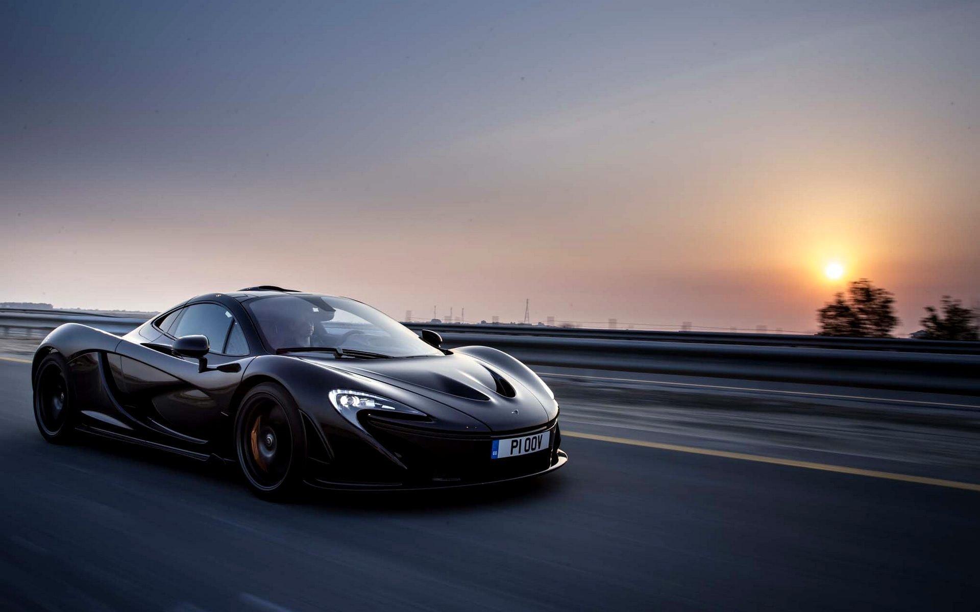 McLaren черный фон скачать