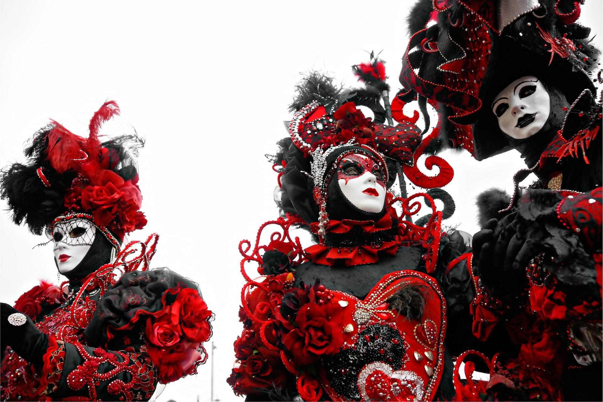 картинки на новый год черные белые красные закончил восемь