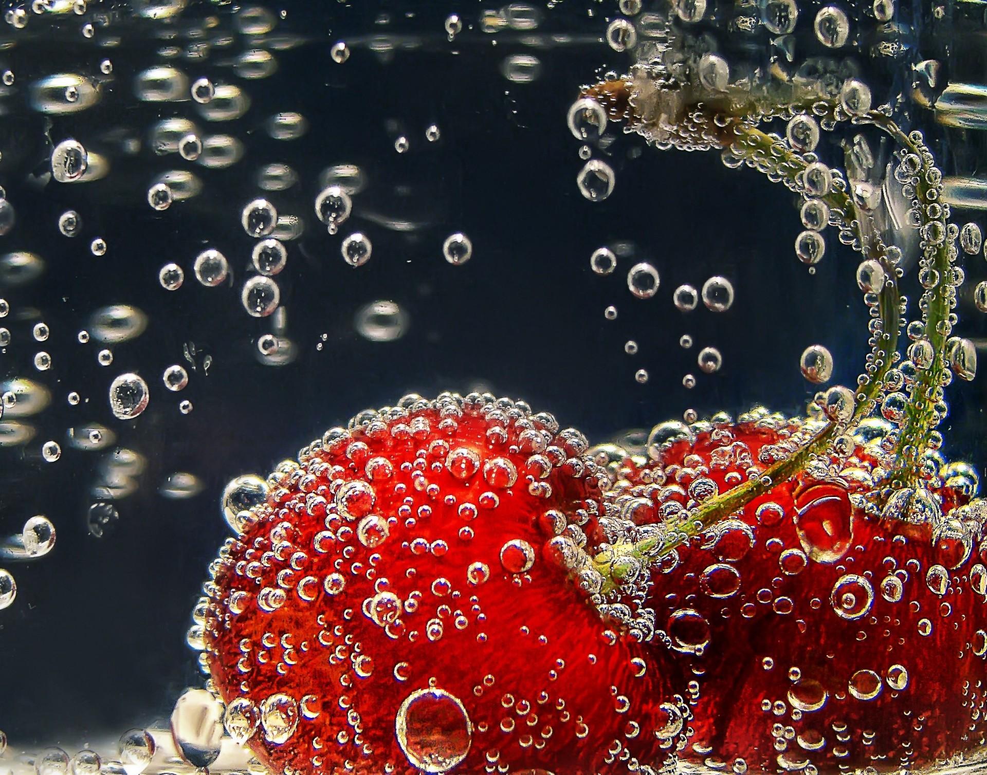 портретной ягоды в воде фото классических