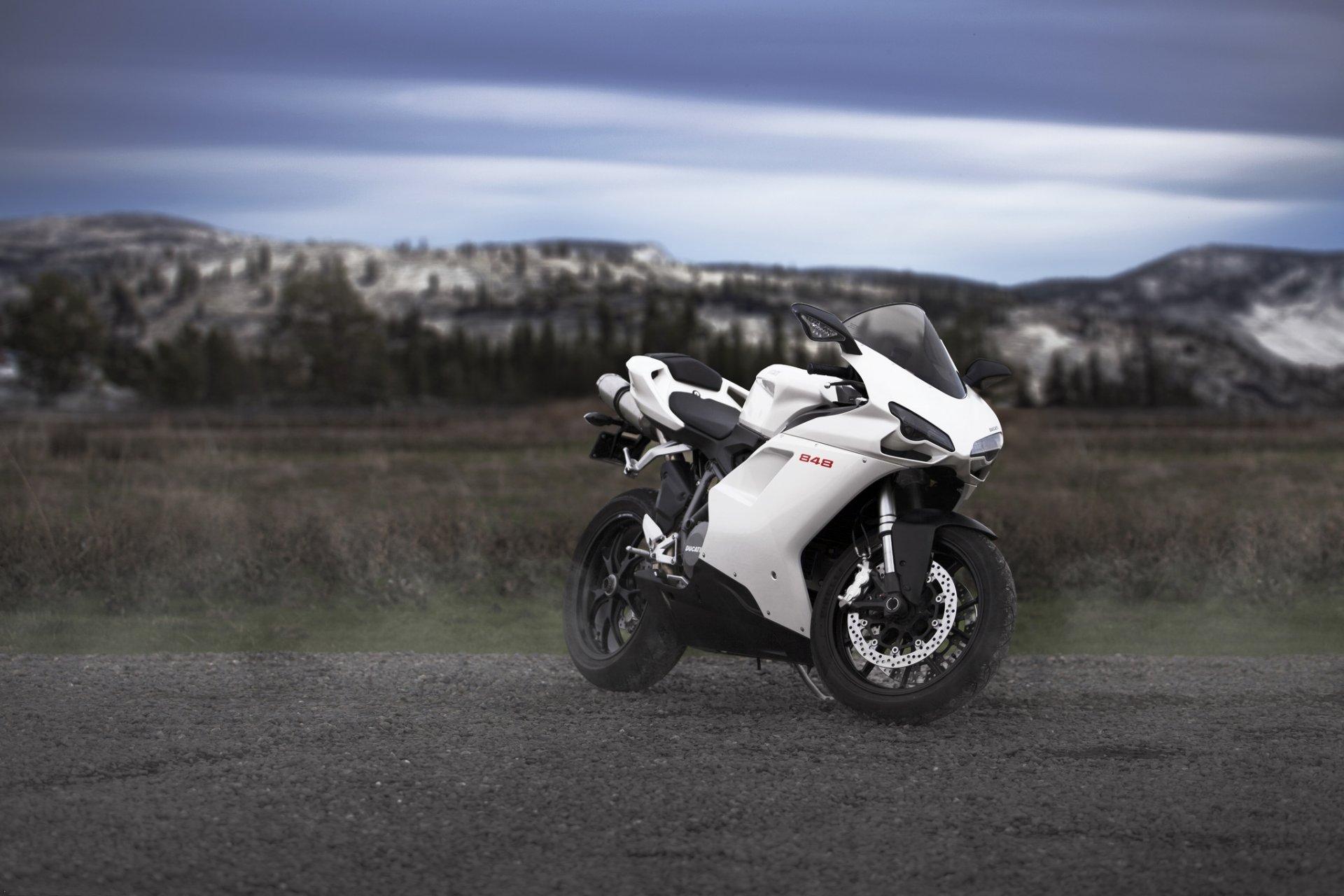 мотоцикл дукати белый загрузить