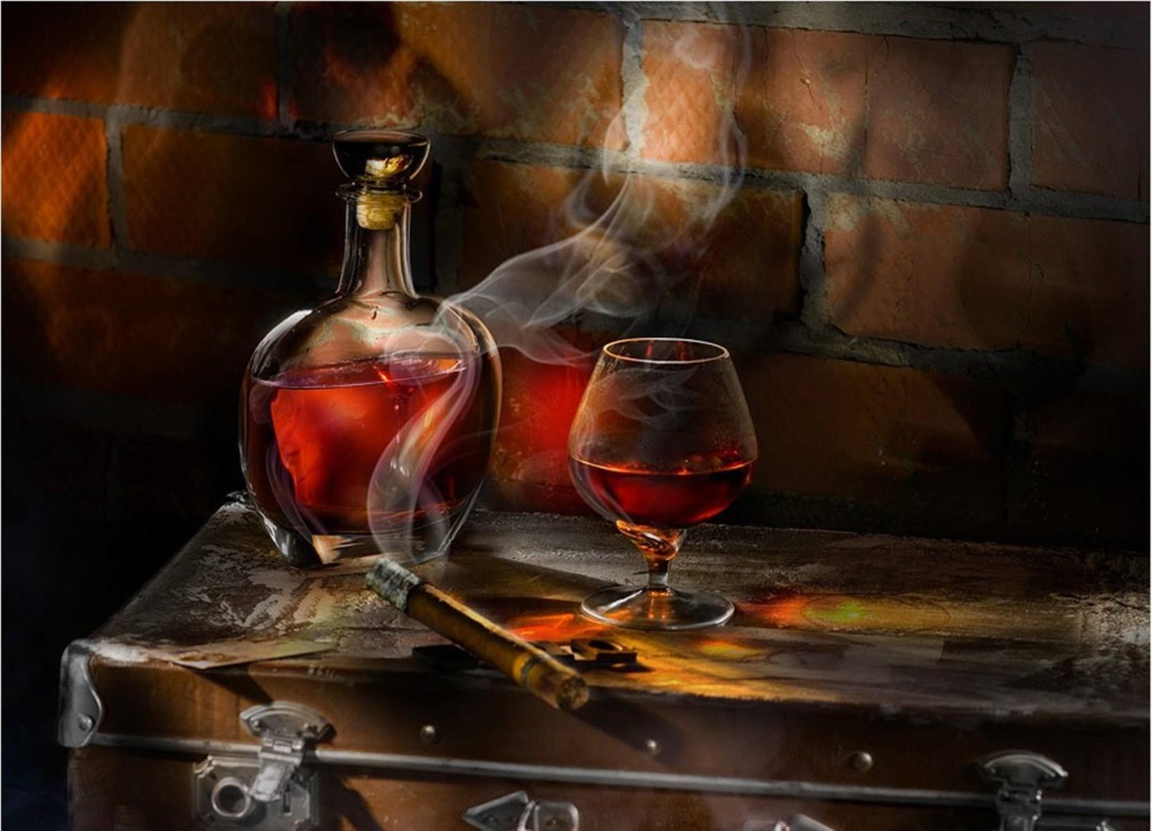 Поздравительная открытка виски сигары, пожеланием
