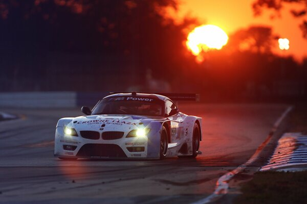 BMW Z4 GTE 24 Hours Race Le Mans Team Performance Widebody Kit Competition Race Track Sunset White Sponsors Spoiler Headlight Glow