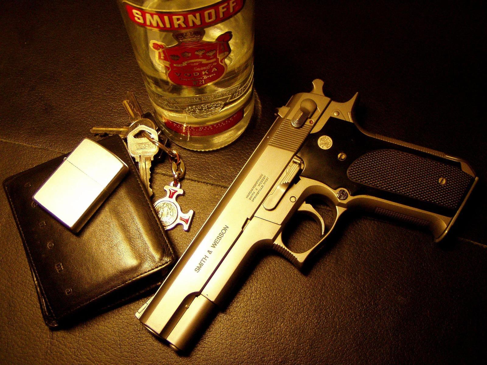 Револьвер с виноградом  № 1624153 загрузить
